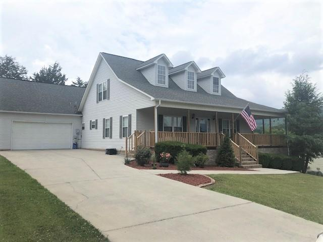 212 Courtney, Cumberland Gap, Tennessee, United States 37724, 3 Bedrooms Bedrooms, ,2 BathroomsBathrooms,Single Family,For Sale,Courtney,1082947