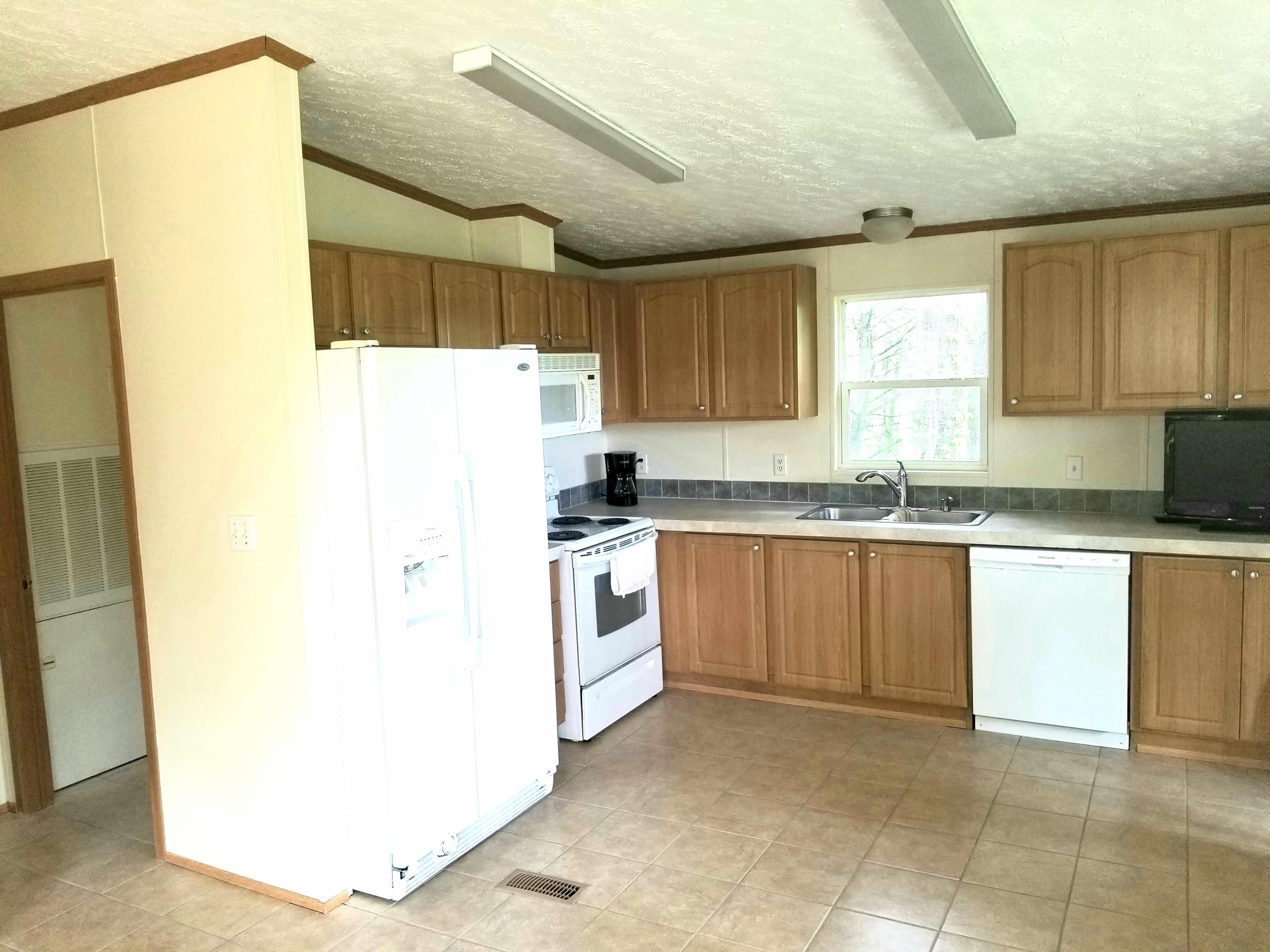 147 Chestnut, Lafollette, Tennessee, United States 37766, 3 Bedrooms Bedrooms, ,2 BathroomsBathrooms,Single Family,For Sale,Chestnut,1083577