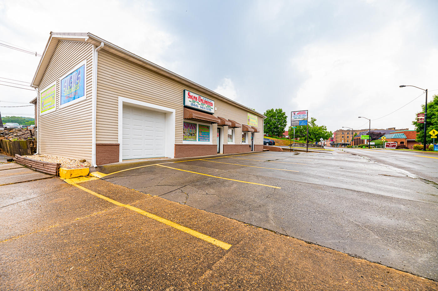 226 Main St, Clinton, Tennessee 37716, ,Commercial,For Sale,Main,1083734