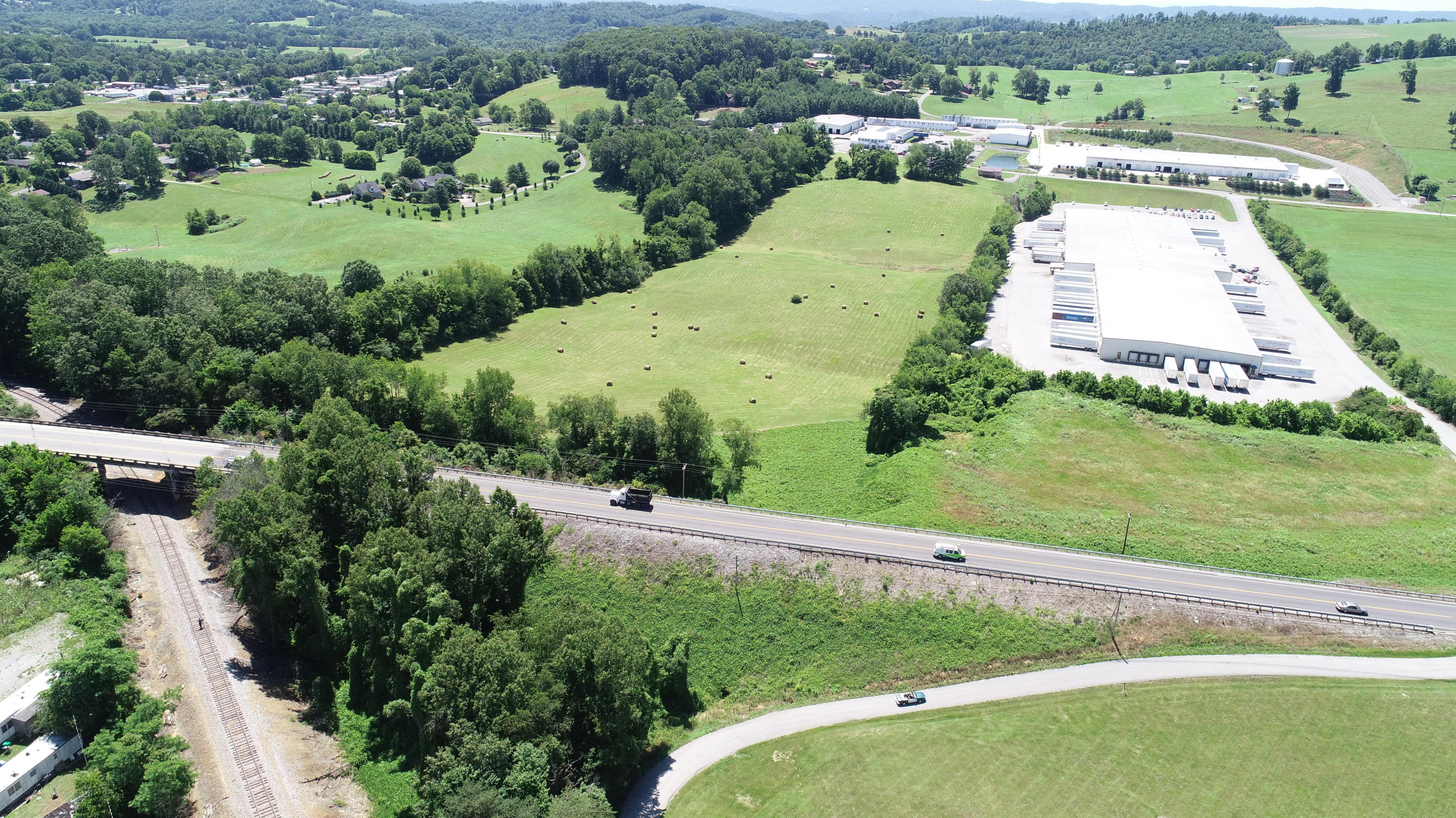 Old Hwy 33, New Tazewell, Tennessee 37825, ,Commercial,For Sale,Old Hwy 33,1083878