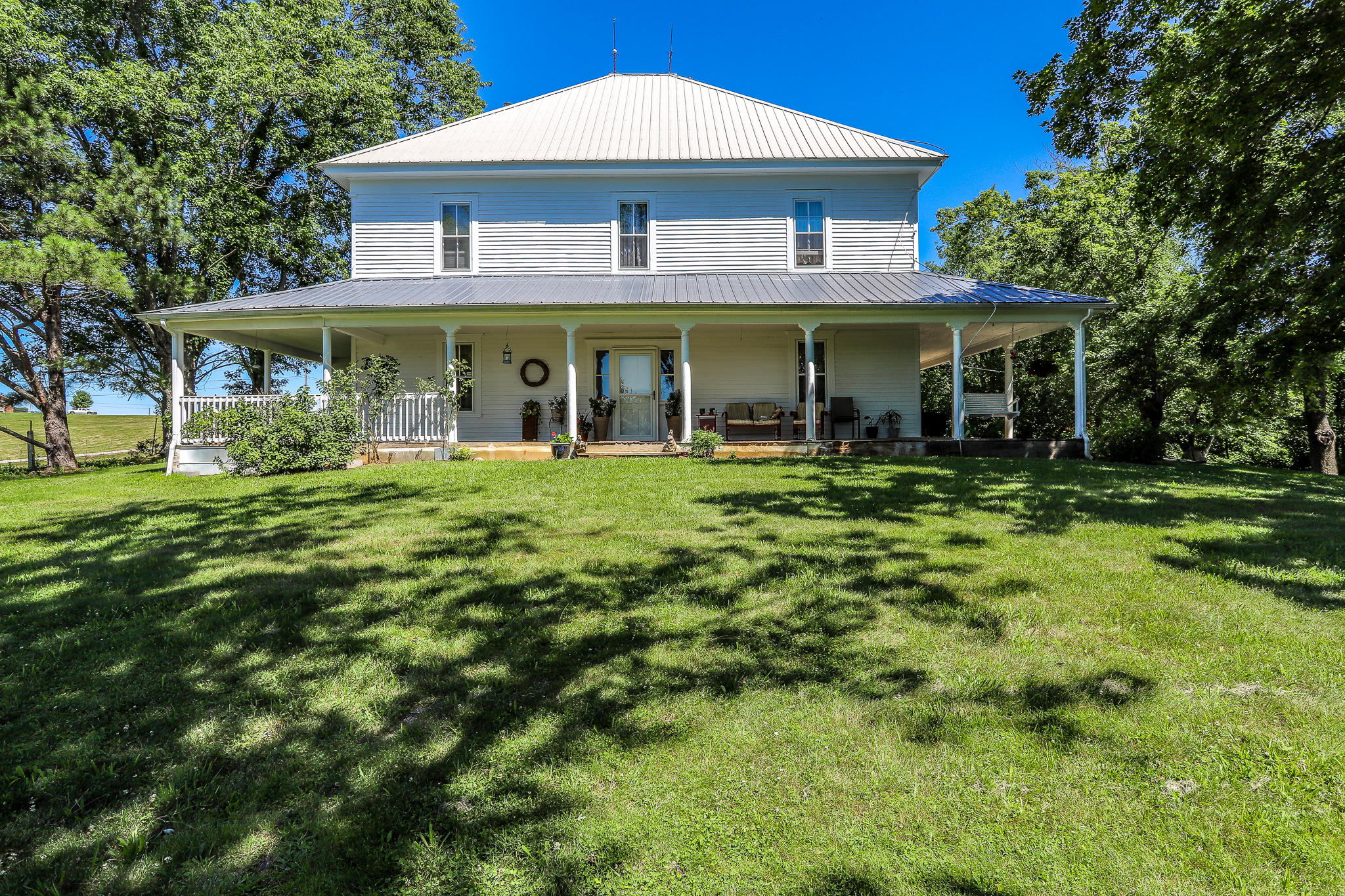 1062 Old Newport, Greeneville, Tennessee, United States 37743, 5 Bedrooms Bedrooms, ,2 BathroomsBathrooms,Single Family,For Sale,Old Newport,1084255