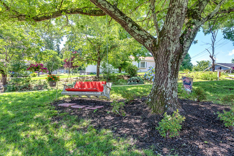 811 Staples Ave, Rockwood, Tennessee 37854, 3 Bedrooms Bedrooms, ,2 BathroomsBathrooms,Single Family,For Sale,Staples,1084534