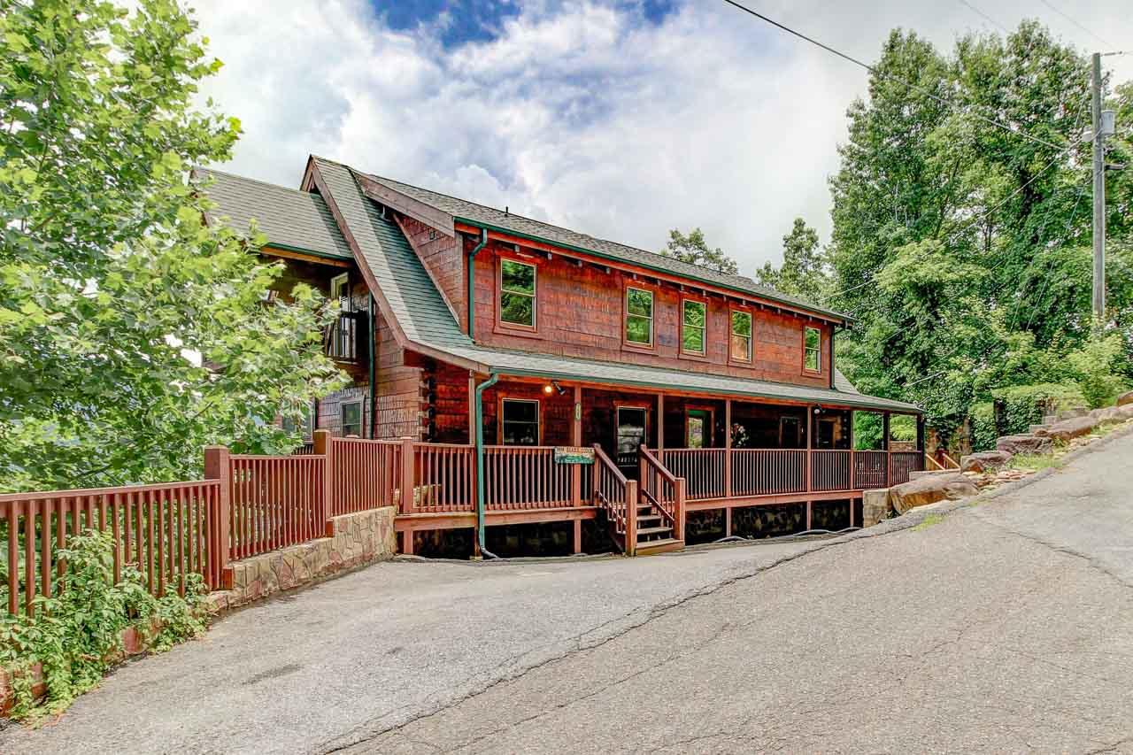 725 Big Bear Ridge Rd, Gatlinburg, Tennessee 37738, 5 Bedrooms Bedrooms, ,5 BathroomsBathrooms,Single Family,For Sale,Big Bear Ridge,1085822