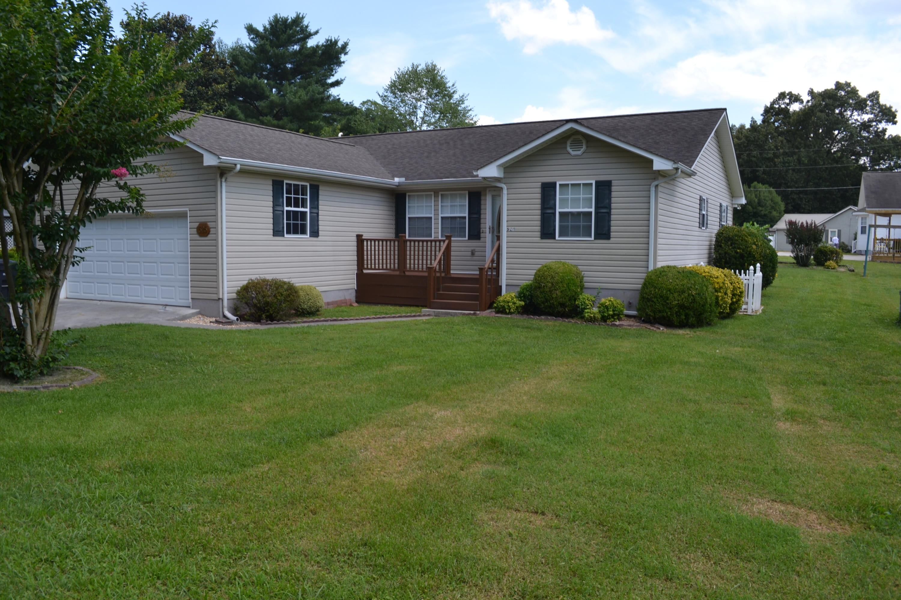 525 Oak, Athens, Tennessee, United States 37303, 3 Bedrooms Bedrooms, ,2 BathroomsBathrooms,Single Family,For Sale,Oak,1085855