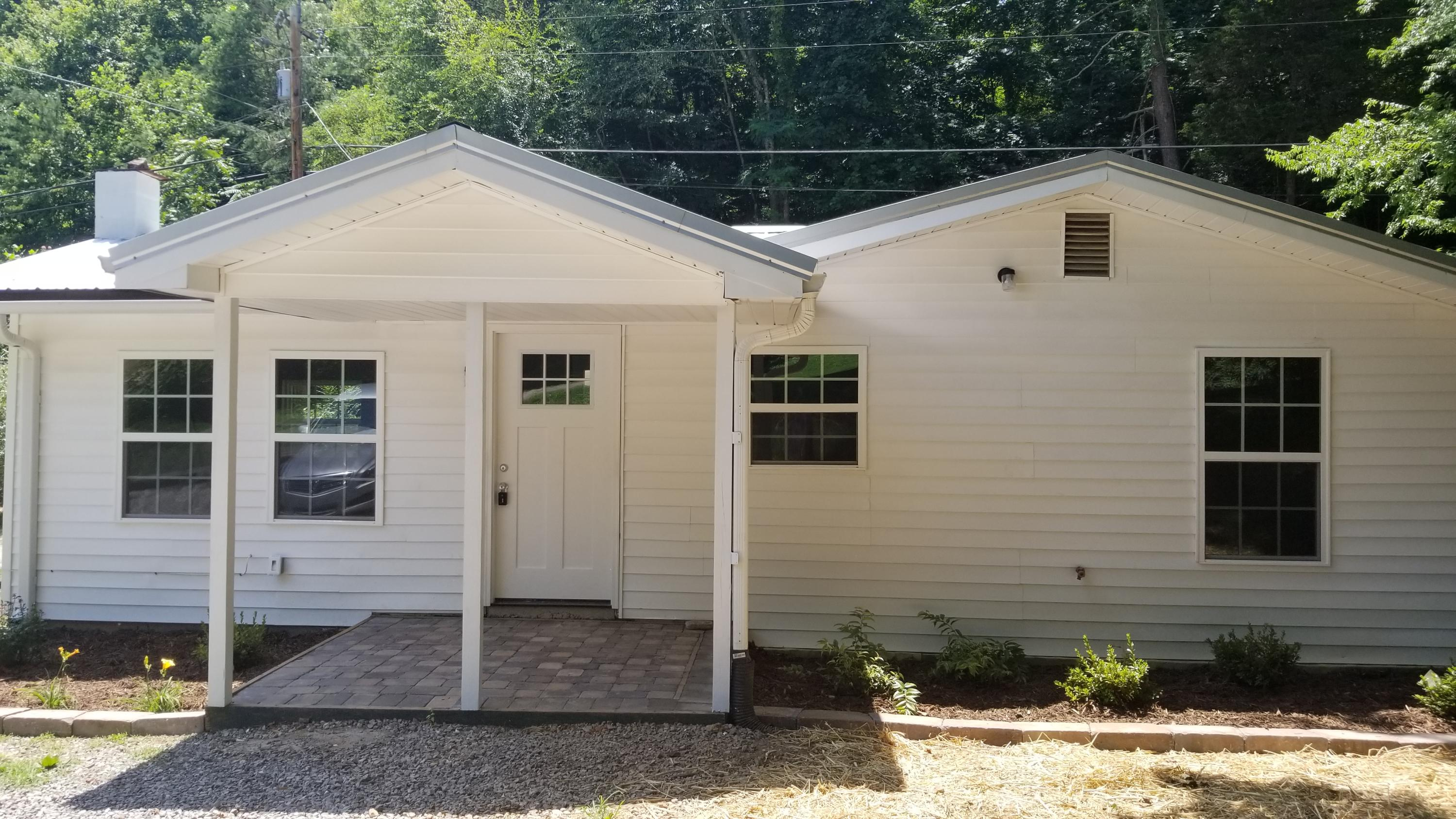 193 Laurel Hollow, Clinton, Tennessee, United States 37716, 2 Bedrooms Bedrooms, ,2 BathroomsBathrooms,Single Family,For Sale,Laurel Hollow,1081598