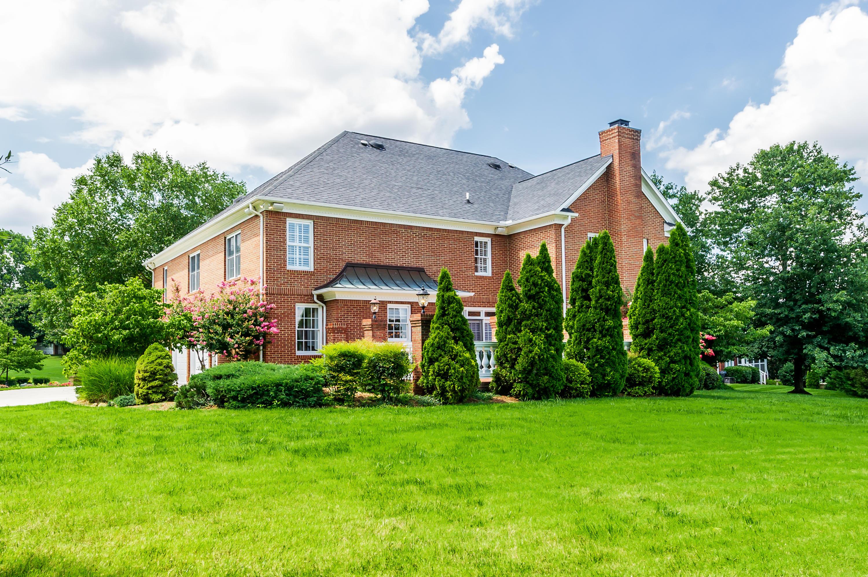 8912 Braithwaite Lane, Knoxville, Tennessee 37922, 6 Bedrooms Bedrooms, ,6 BathroomsBathrooms,Single Family,For Sale,Braithwaite,1084202