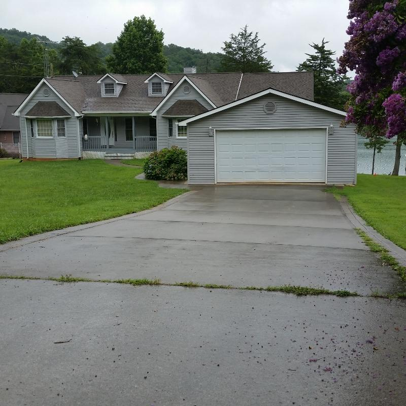 635 Norris Point Rd: