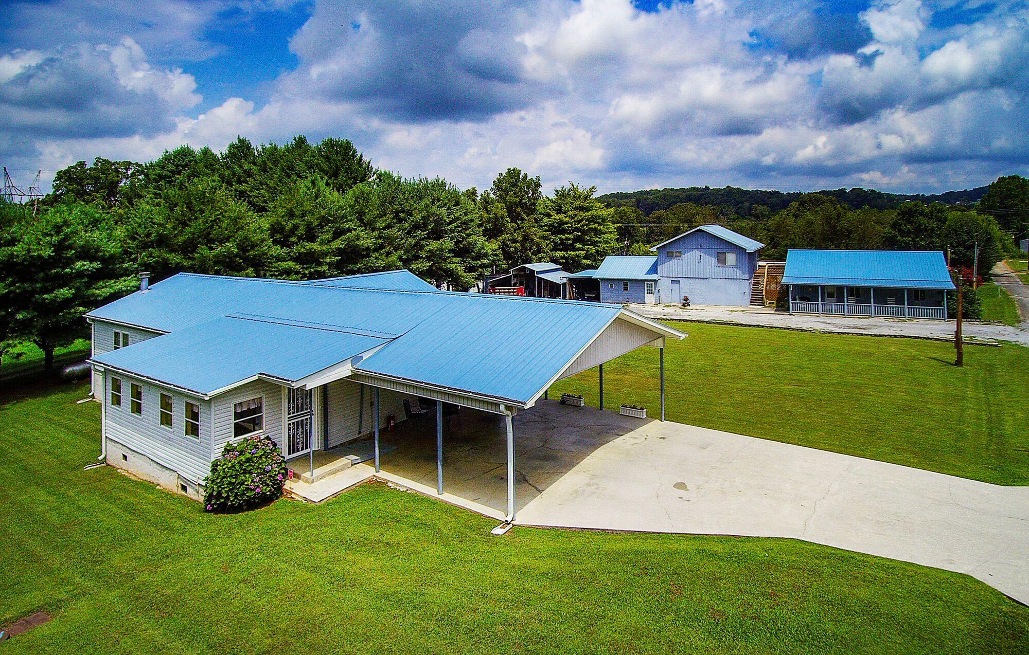 2141 Douglas Heights, Dandridge, Tennessee, United States 37725, 3 Bedrooms Bedrooms, ,3 BathroomsBathrooms,Single Family,For Sale,Douglas Heights,1090137