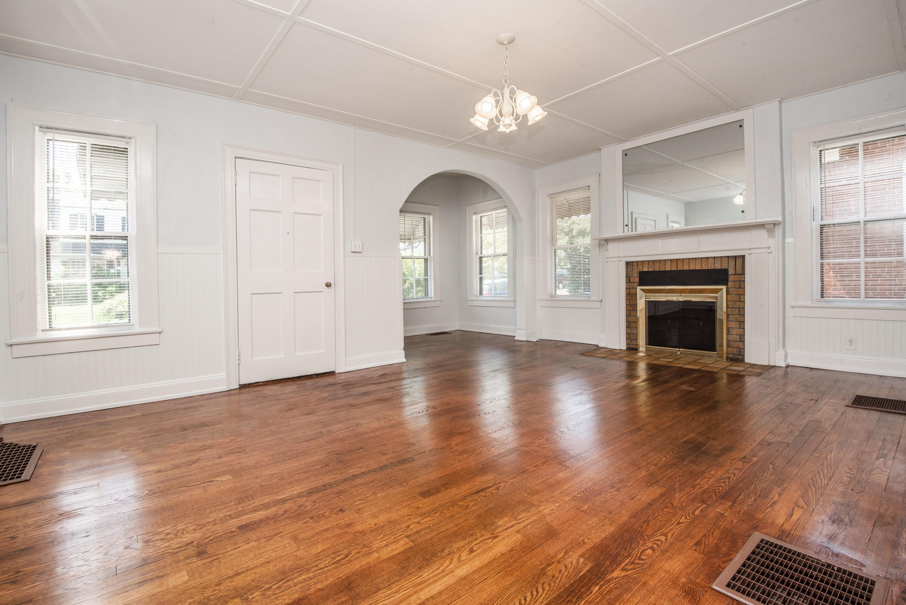 2571 Parkview, Knoxville, Tennessee, United States 37914, 3 Bedrooms Bedrooms, ,1 BathroomBathrooms,Single Family,For Sale,Parkview,1089308