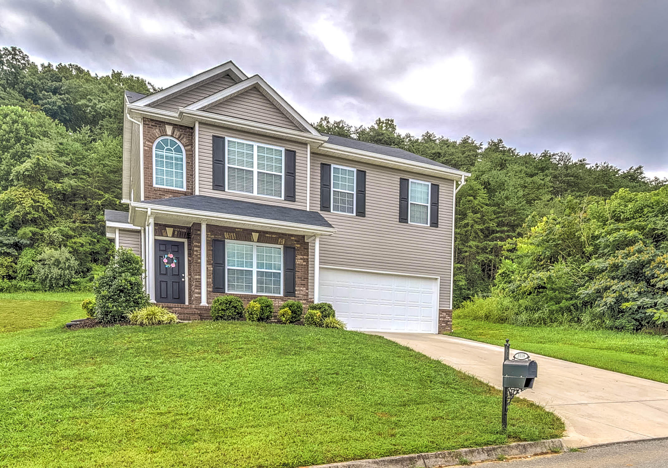 3118 Whelahan Farm Rd, Knoxville, Tennessee 37924, 3 Bedrooms Bedrooms, ,2 BathroomsBathrooms,Single Family,For Sale,Whelahan Farm,1090275