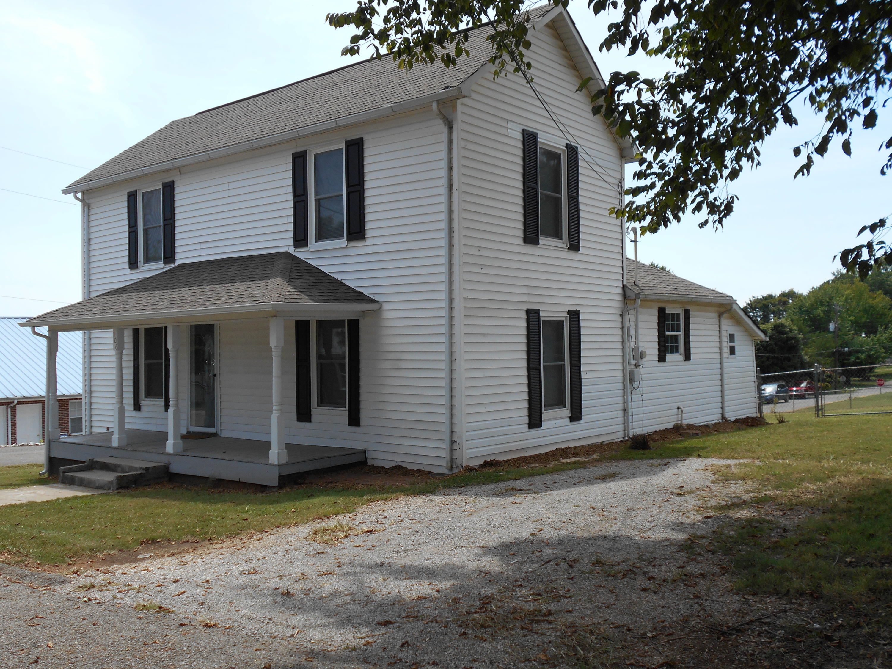 106 Price St- Sweetwater- Tennessee 37874, 3 Bedrooms Bedrooms, ,2 BathroomsBathrooms,Single Family,For Sale,Price,1090746