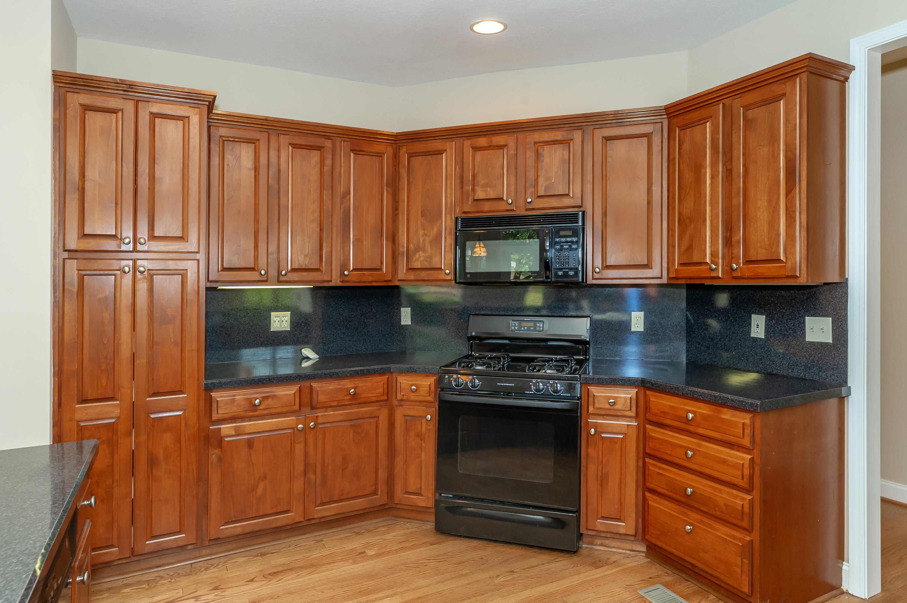 240 Goldcrest Drive, Vonore, Tennessee 37885, 3 Bedrooms Bedrooms, ,2 BathroomsBathrooms,Single Family,For Sale,Goldcrest,1090931