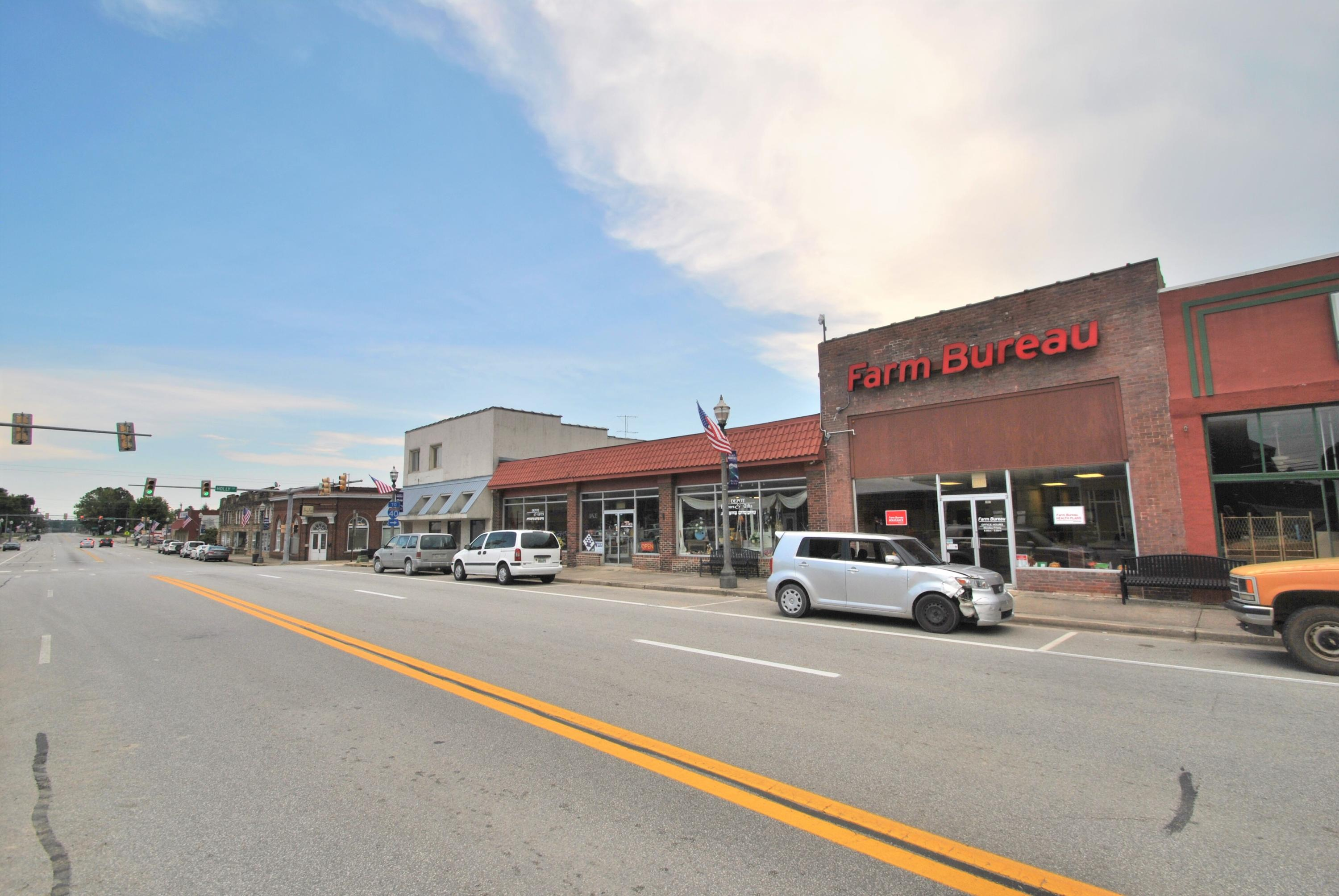 107 Commercial Ave, Monterey, Tennessee 38574, ,Commercial,For Sale,Commercial,1091015