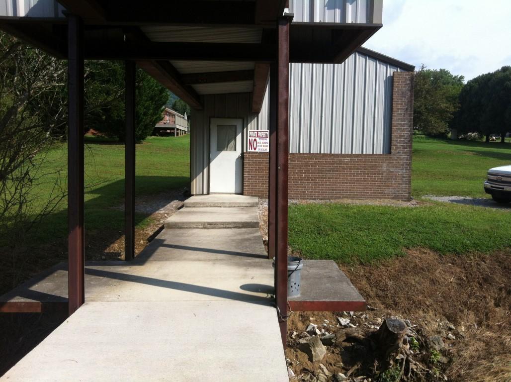 163 Perkins Lane, Jacksboro, Tennessee 37757, ,Commercial,For Sale,Perkins,1091329