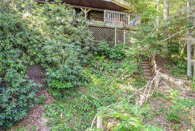 165 Hemlock Bluff Lane: