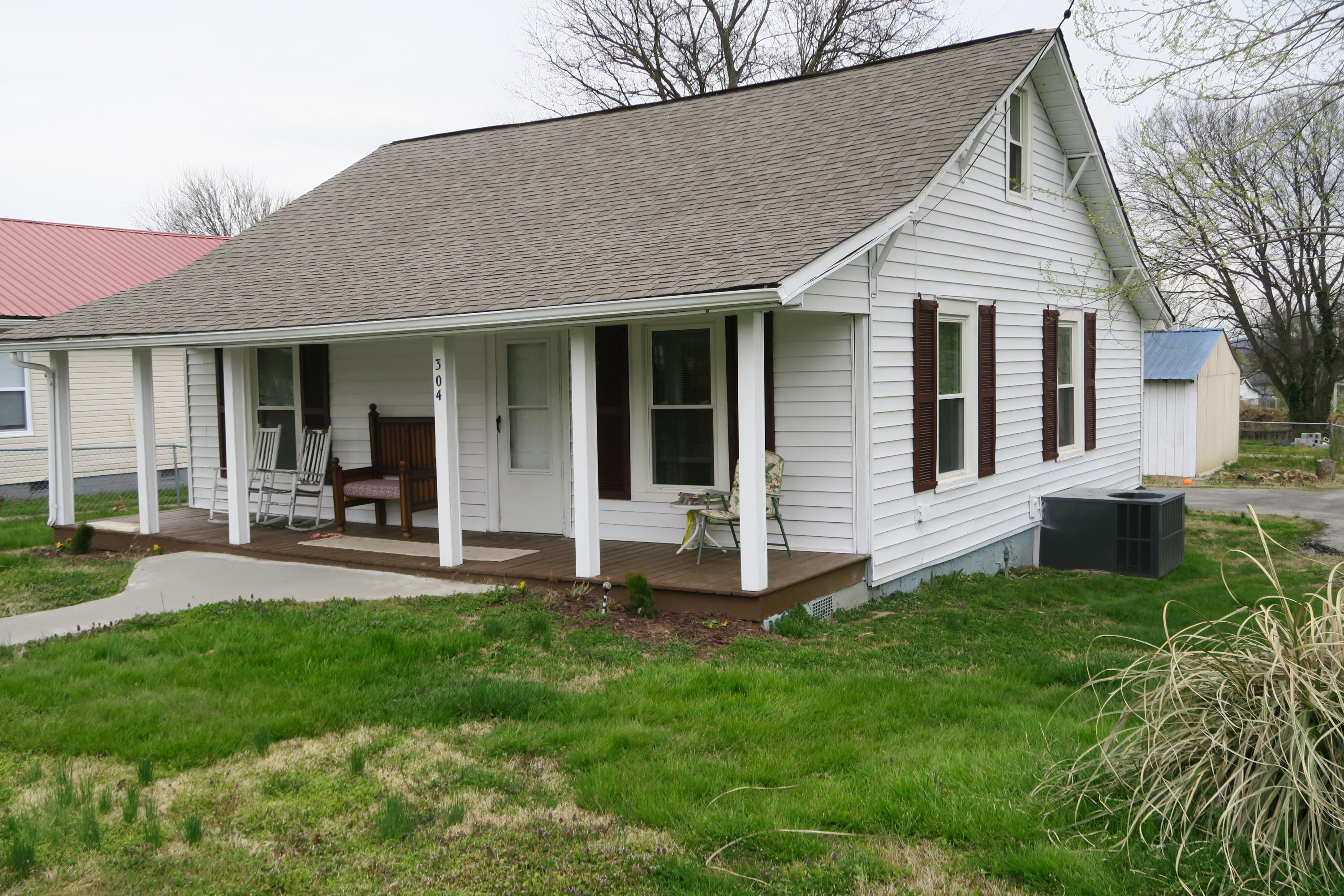 304 Mcginley St, Maryville, Tennessee 37804, 2 Bedrooms Bedrooms, ,1 BathroomBathrooms,Single Family,For Sale,Mcginley,1091594