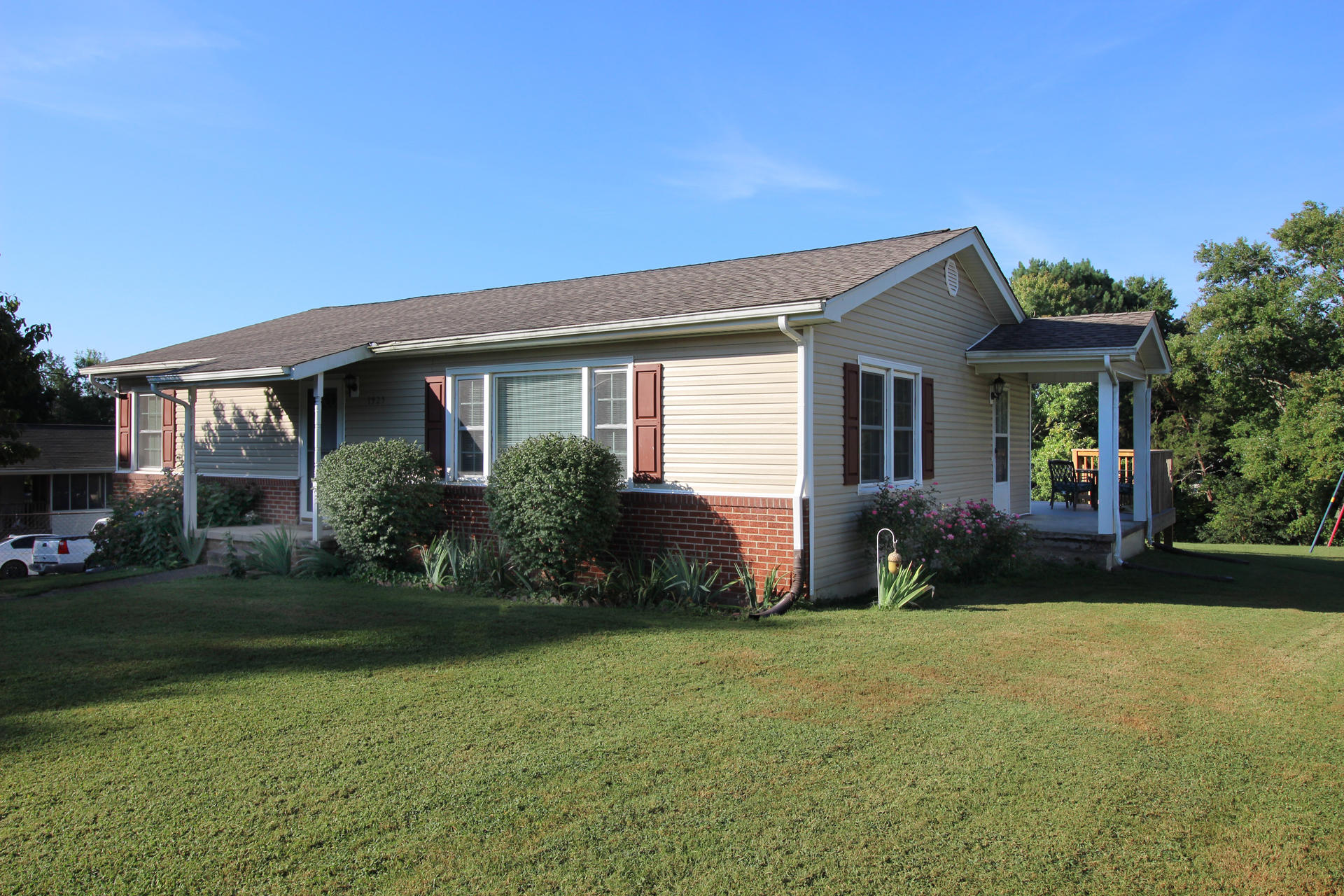 7925 Sharp Rd, Powell, Tennessee 37849, 3 Bedrooms Bedrooms, ,1 BathroomBathrooms,Single Family,For Sale,Sharp,1091627