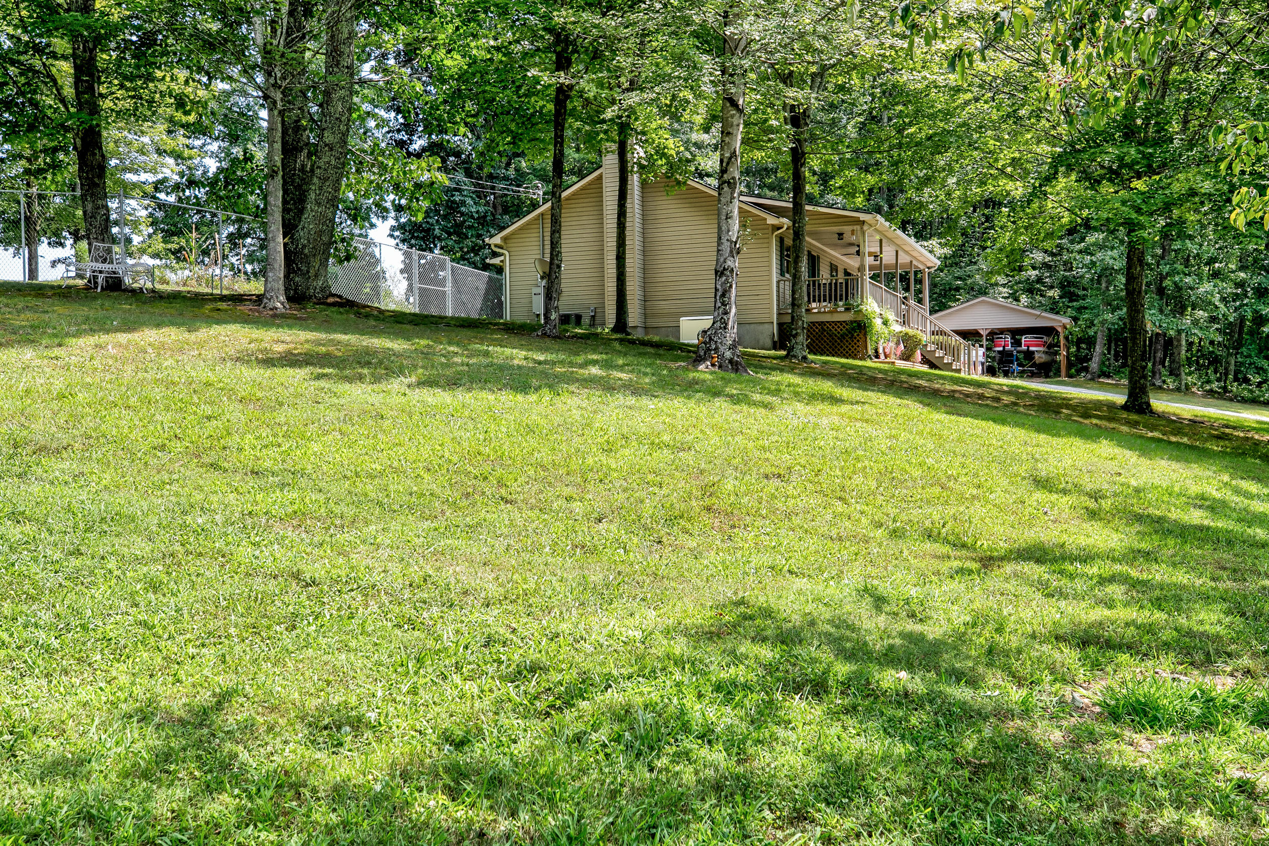 515 Easter Lane, Lafollette, Tennessee 37766, 3 Bedrooms Bedrooms, ,2 BathroomsBathrooms,Single Family,For Sale,Easter,1091637
