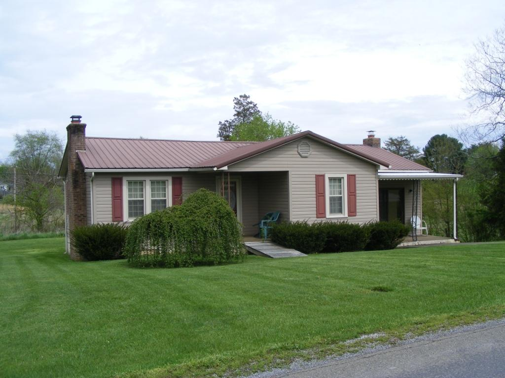 231 Machine Branch Rd, Ewing, Virginia 24248, 2 Bedrooms Bedrooms, ,1 BathroomBathrooms,Single Family,For Sale,Machine Branch,1093092