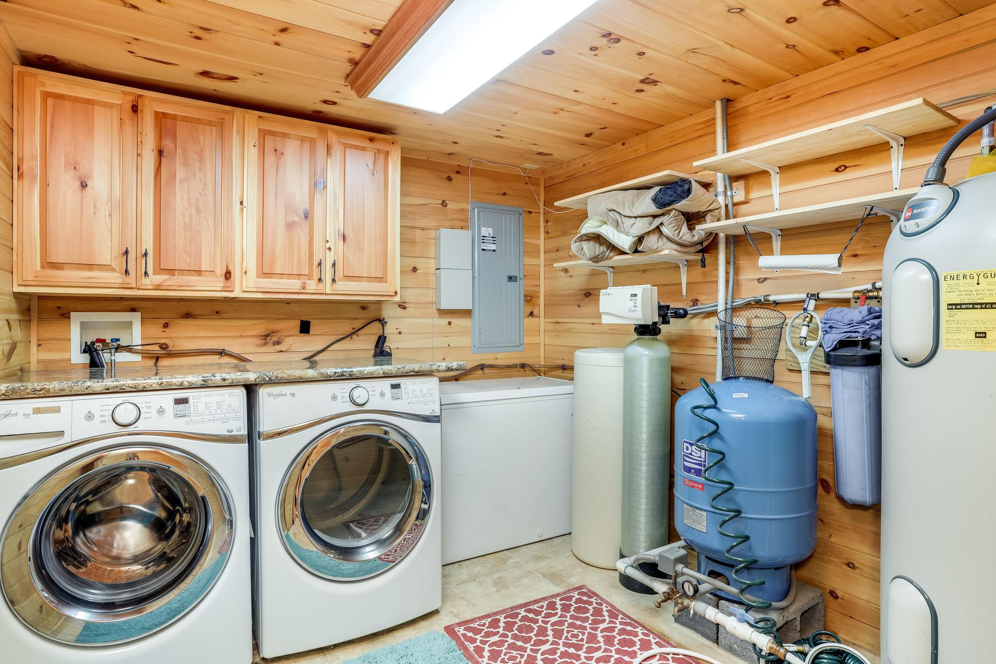 536 Pinnacle Vista Rd, Gatlinburg, Tennessee 37738, 4 Bedrooms Bedrooms, ,3 BathroomsBathrooms,Single Family,For Sale,Pinnacle Vista,1092110