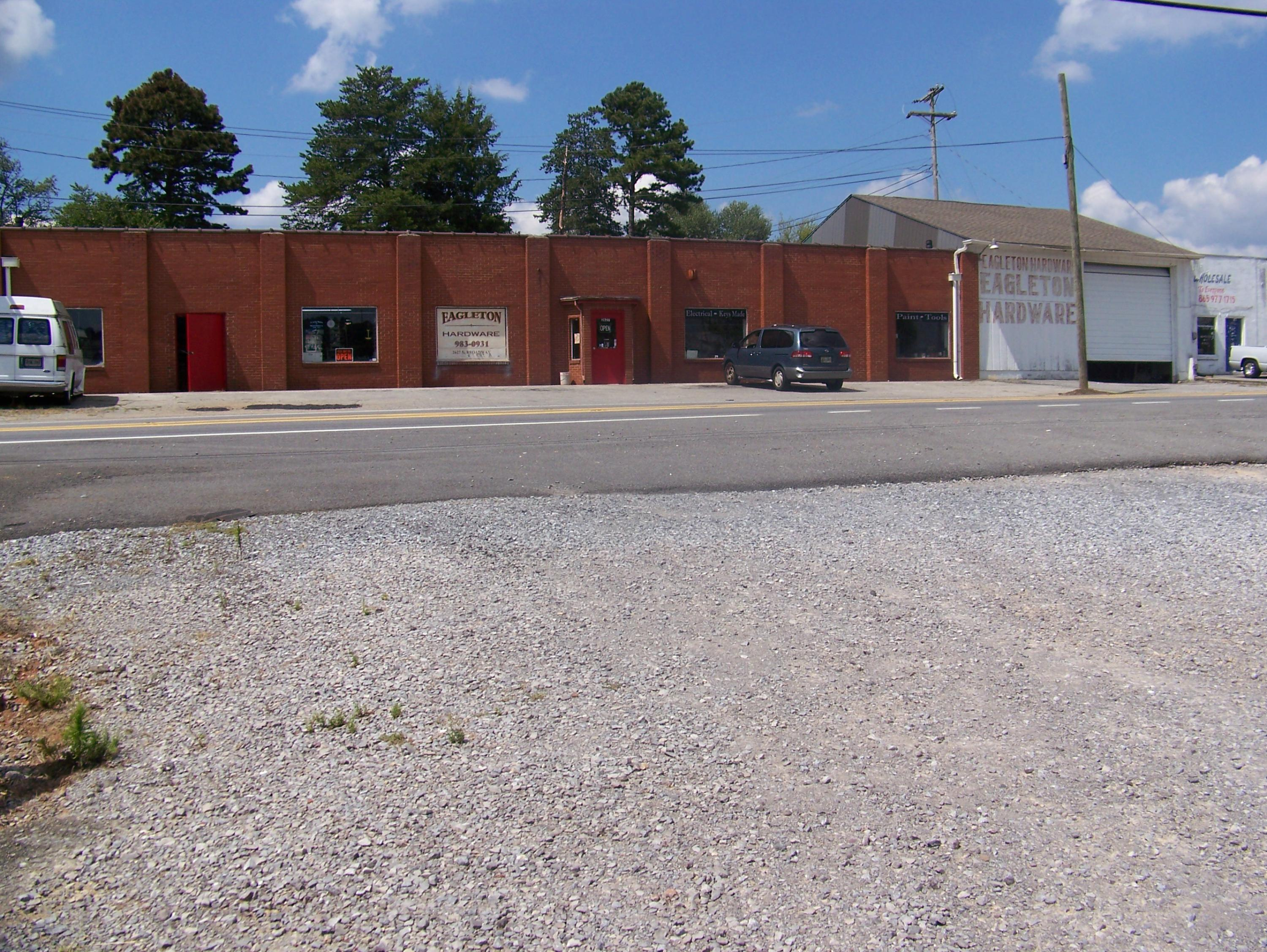 2627 Broadway Ave, Maryville, Tennessee 37804, ,Commercial,For Sale,Broadway,1093576