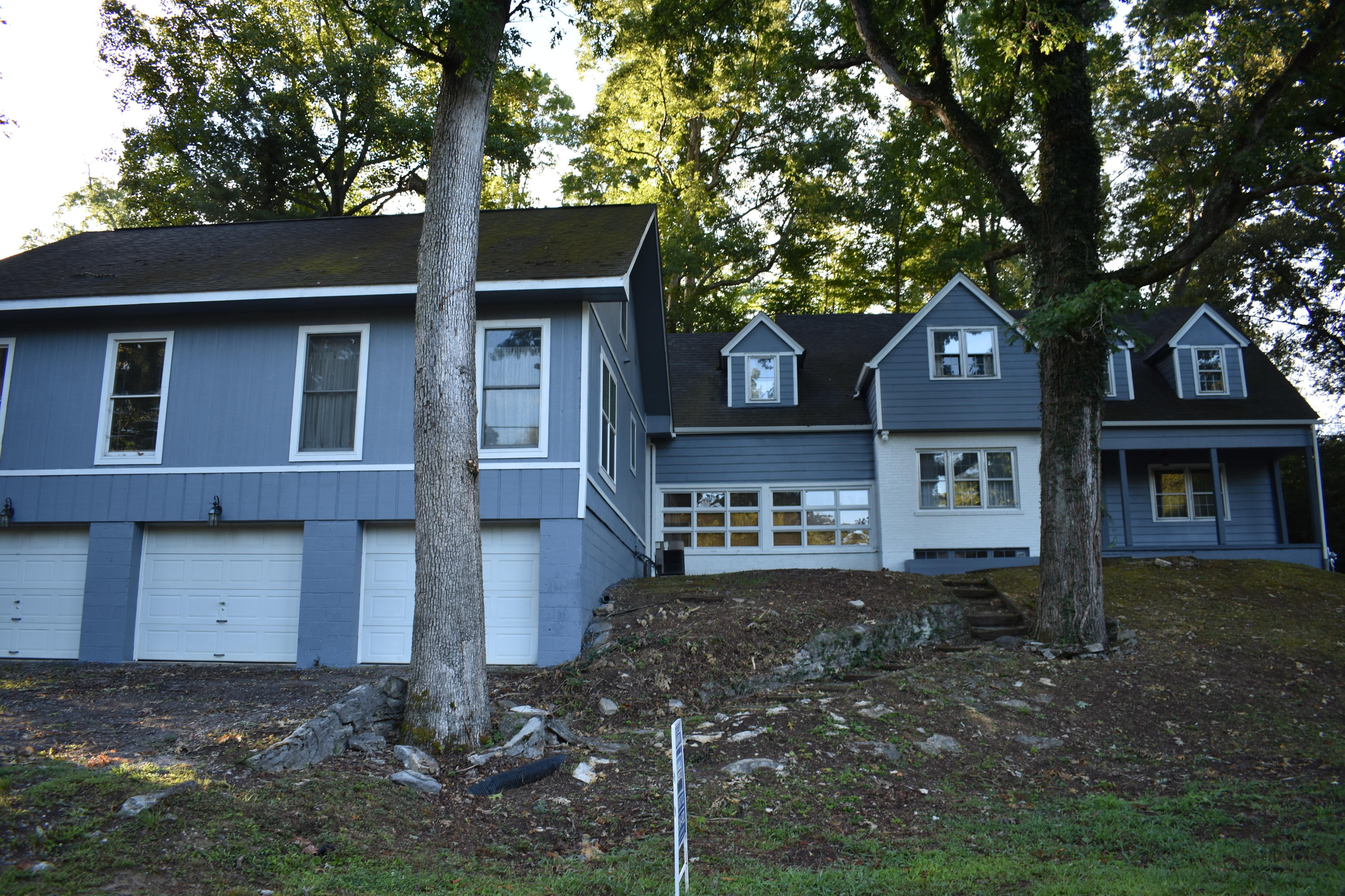 832 25th, Middlesboro, Kentucky, United States 40965, 6 Bedrooms Bedrooms, ,3 BathroomsBathrooms,Single Family,For Sale,25th,1093586