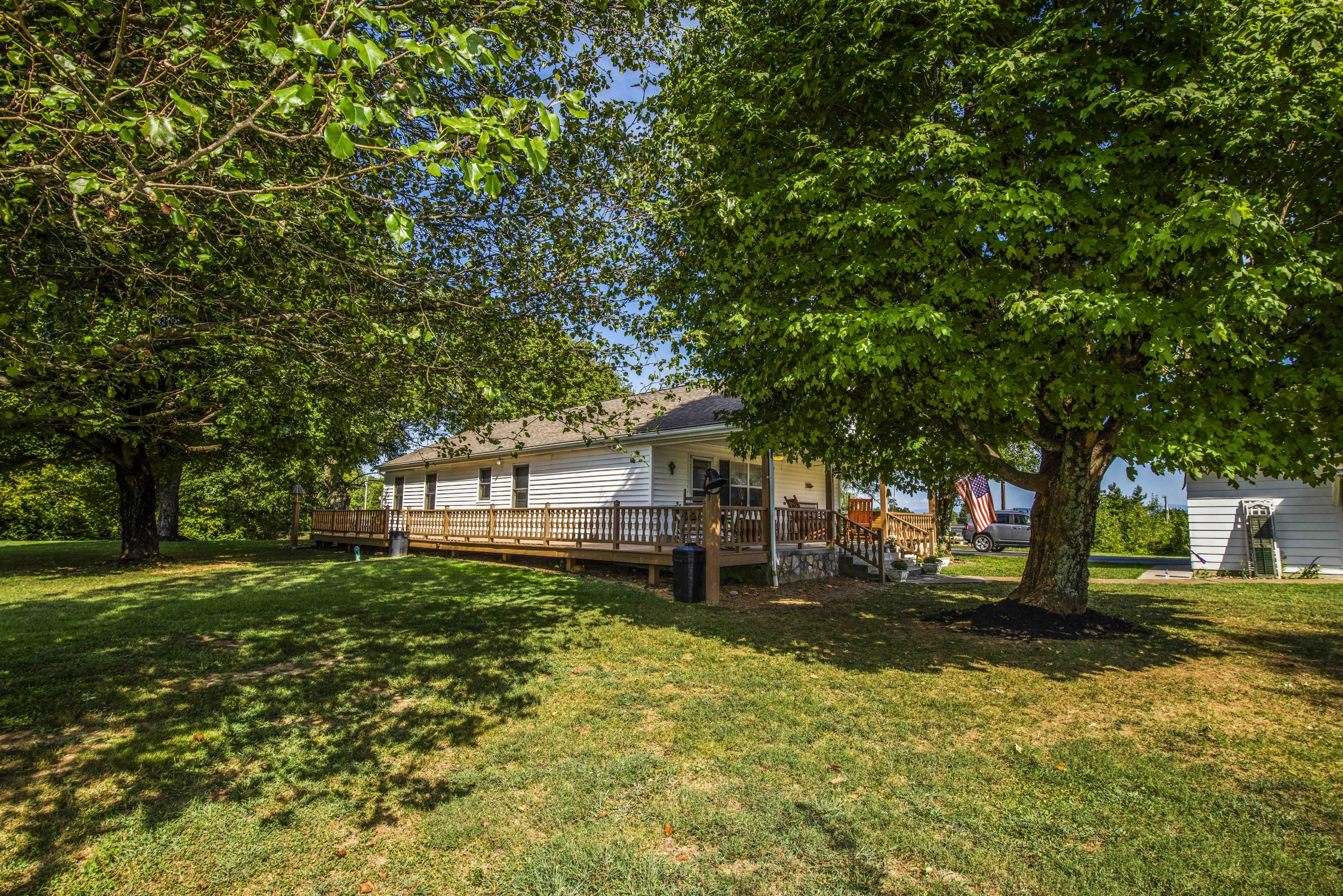 1533 Middlesettlements Rd, Maryville, Tennessee 37801, 2 Bedrooms Bedrooms, ,2 BathroomsBathrooms,Single Family,For Sale,Middlesettlements,1093873