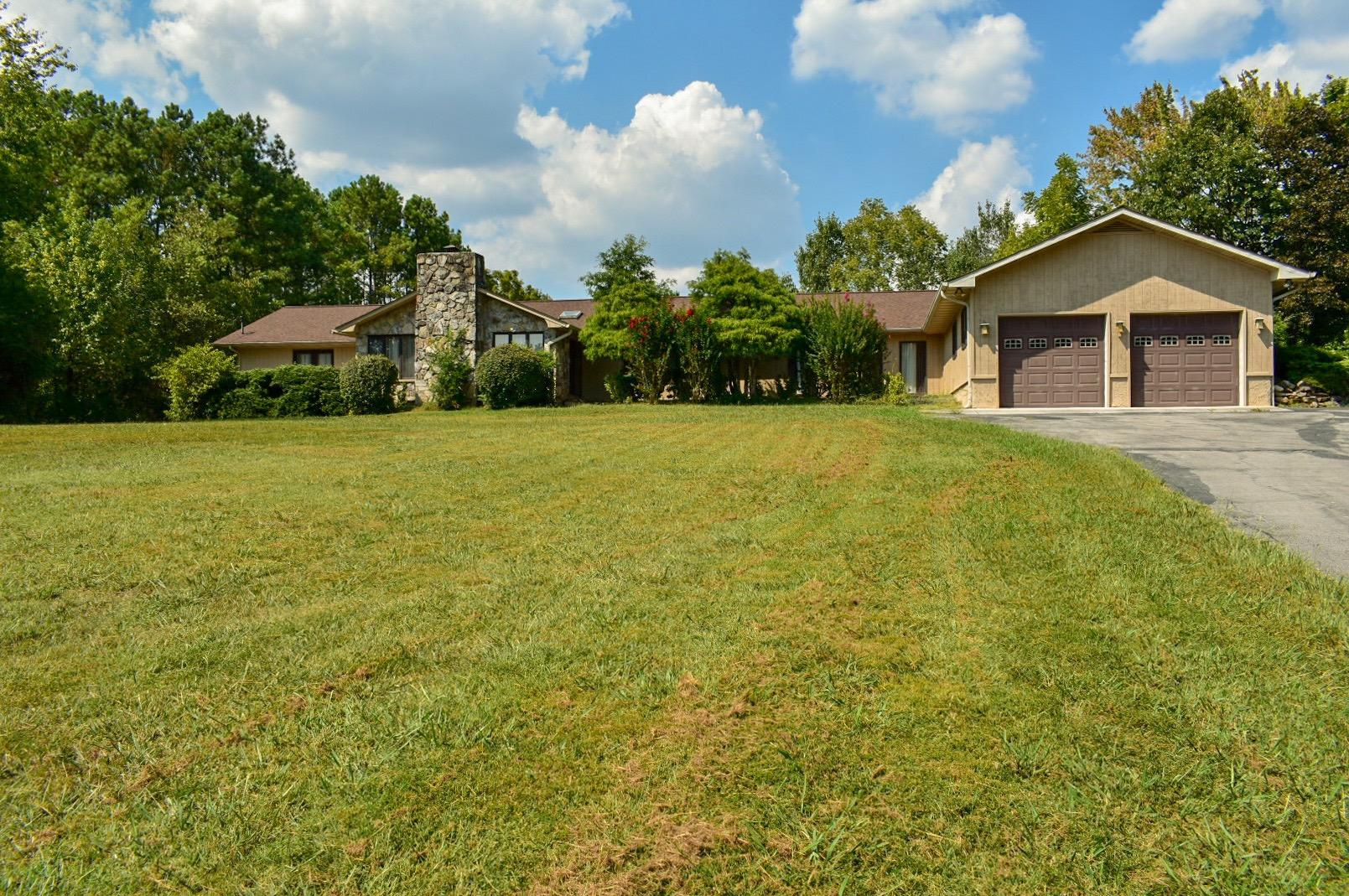 9923 Westland, Knoxville, Tennessee, United States 37922, 4 Bedrooms Bedrooms, ,4 BathroomsBathrooms,Single Family,For Sale,Westland,1094622