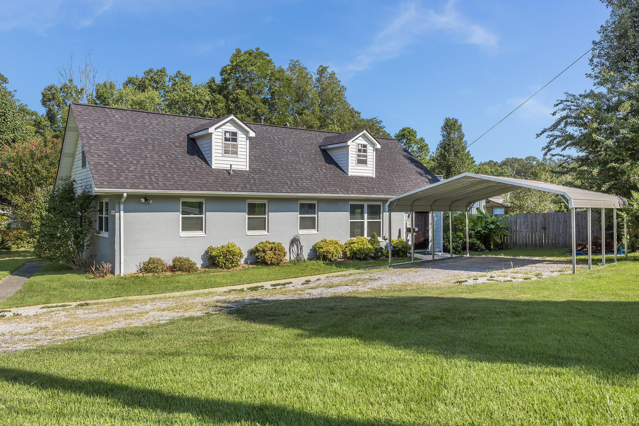 121 Manchester Rd, Oak Ridge, Tennessee 37830, 2 Bedrooms Bedrooms, ,2 BathroomsBathrooms,Single Family,For Sale,Manchester,1094795