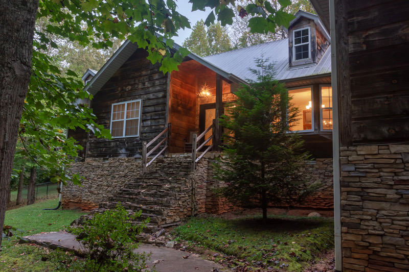 425 Domar, Townsend, Tennessee, United States 37882, 3 Bedrooms Bedrooms, ,2 BathroomsBathrooms,Single Family,For Sale,Domar,1095083