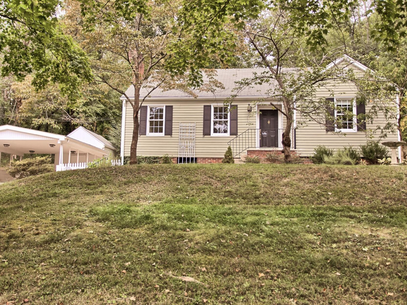 2045 Fenwood, Knoxville, Tennessee, United States 37918, 2 Bedrooms Bedrooms, ,1 BathroomBathrooms,Single Family,For Sale,Fenwood,1095351