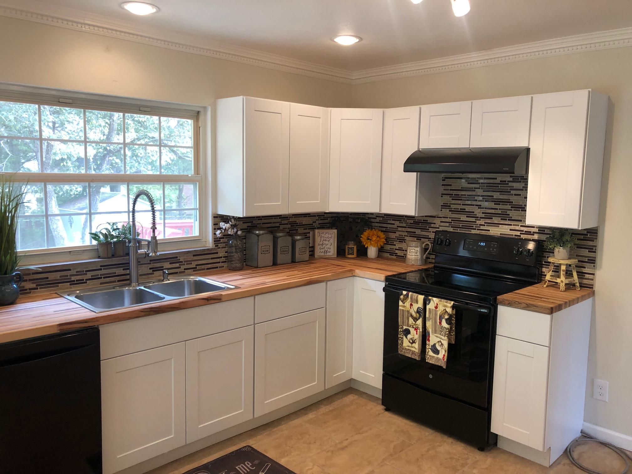 3116 Shelbourne Rd, Knoxville, Tennessee 37917, 2 Bedrooms Bedrooms, ,2 BathroomsBathrooms,Single Family,For Sale,Shelbourne,1095990