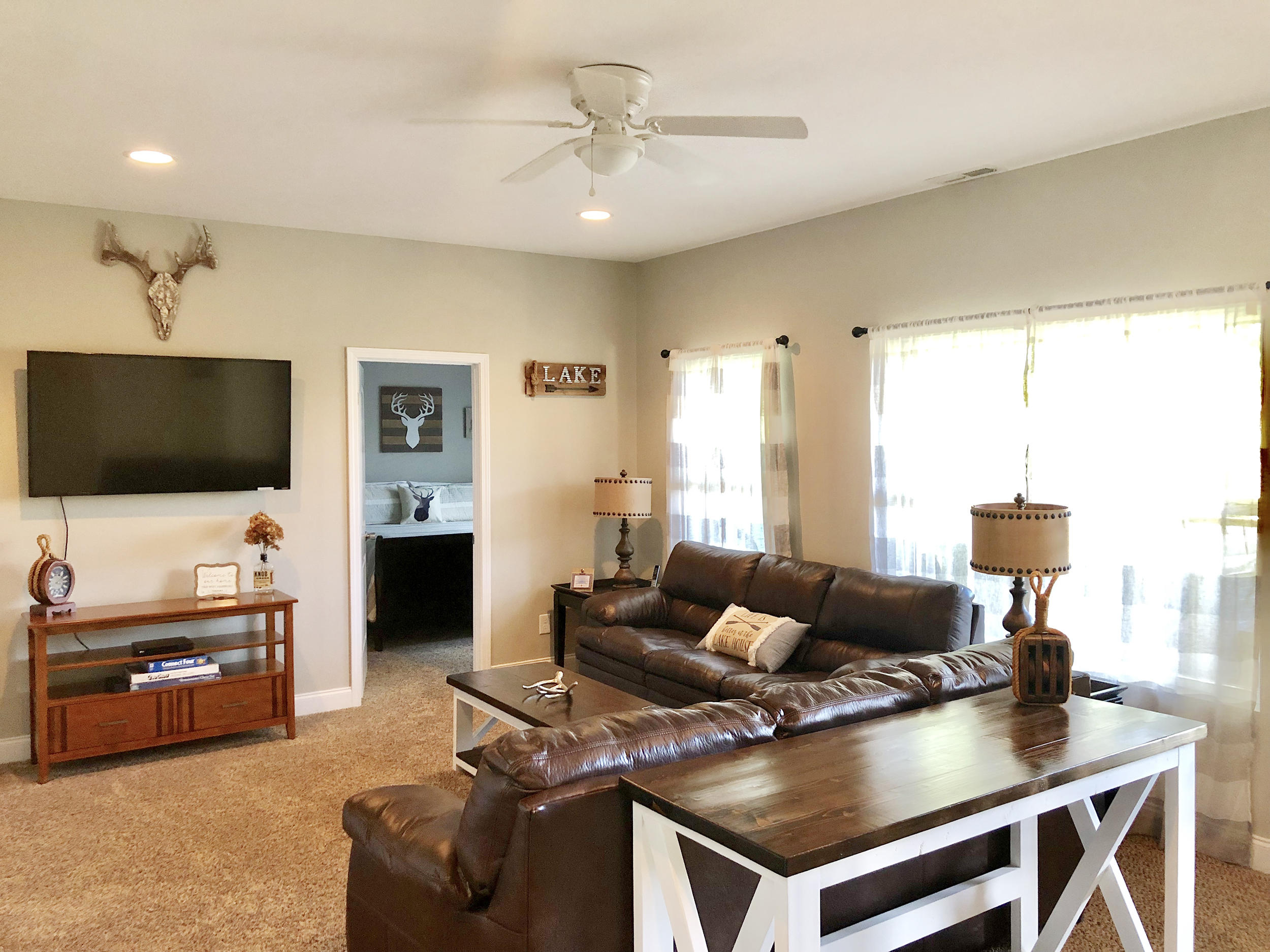 709 Waterfront Tr:
