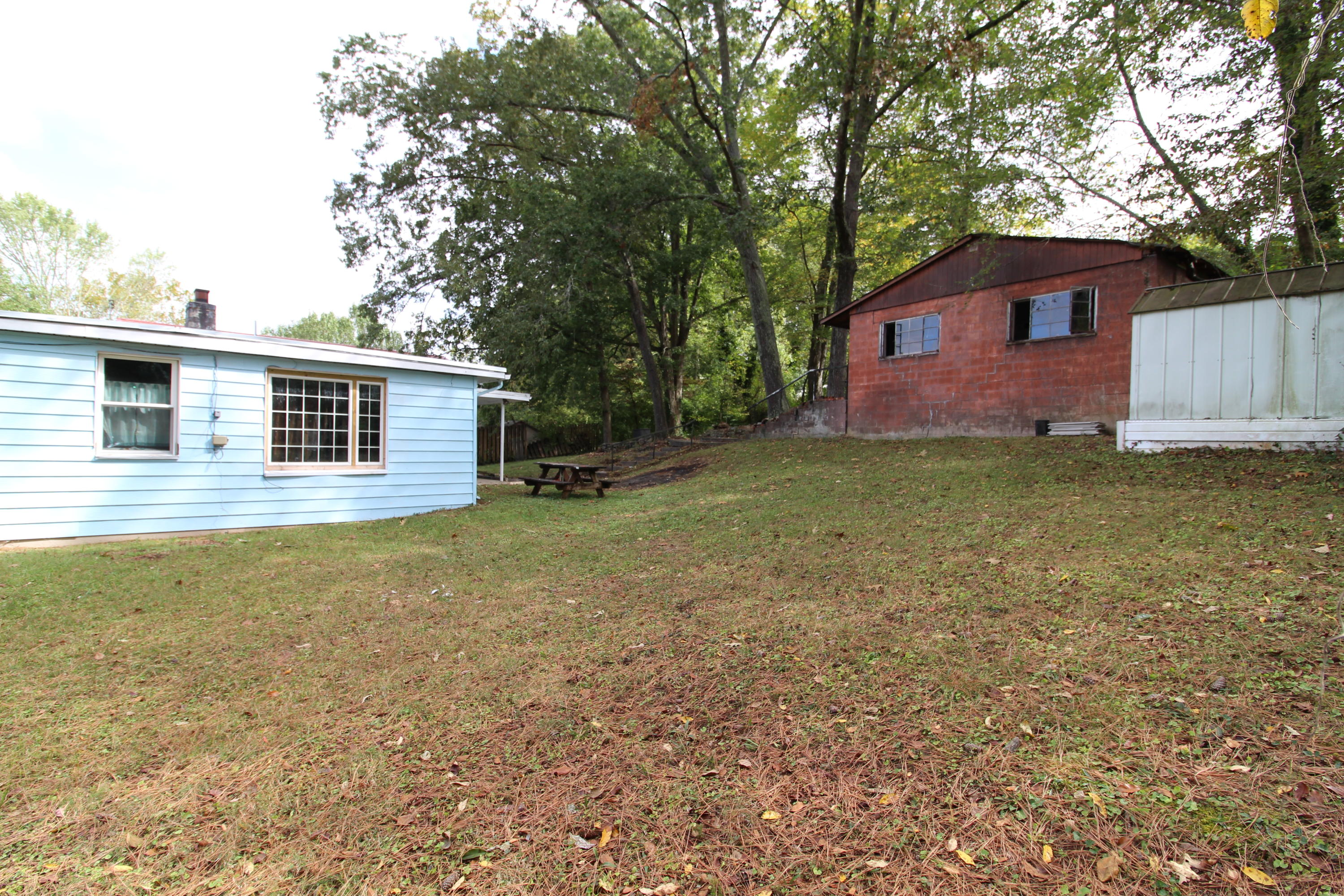 195 Manhattan Ave, Oak Ridge, Tennessee 37830, 3 Bedrooms Bedrooms, ,1 BathroomBathrooms,Single Family,For Sale,Manhattan,1097192
