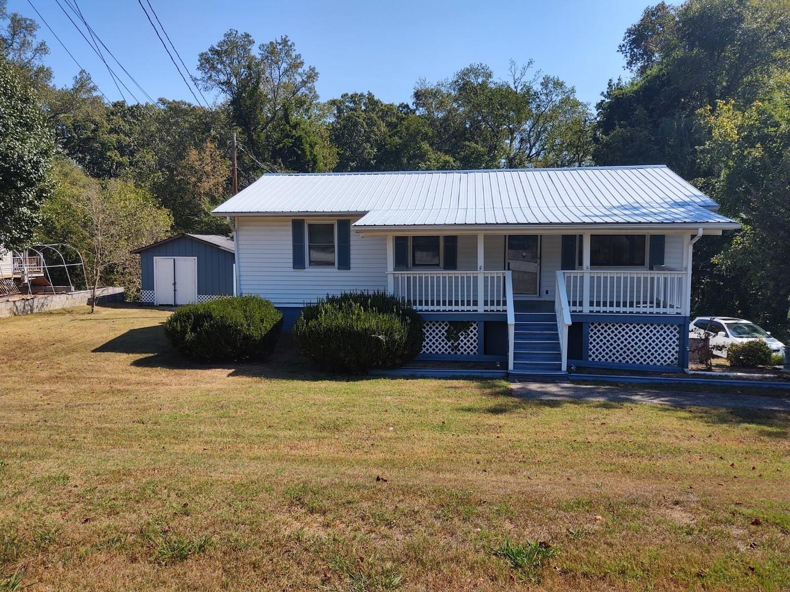257 Woody Ave, Harriman, Tennessee 37748, 3 Bedrooms Bedrooms, ,2 BathroomsBathrooms,Single Family,For Sale,Woody,1097542
