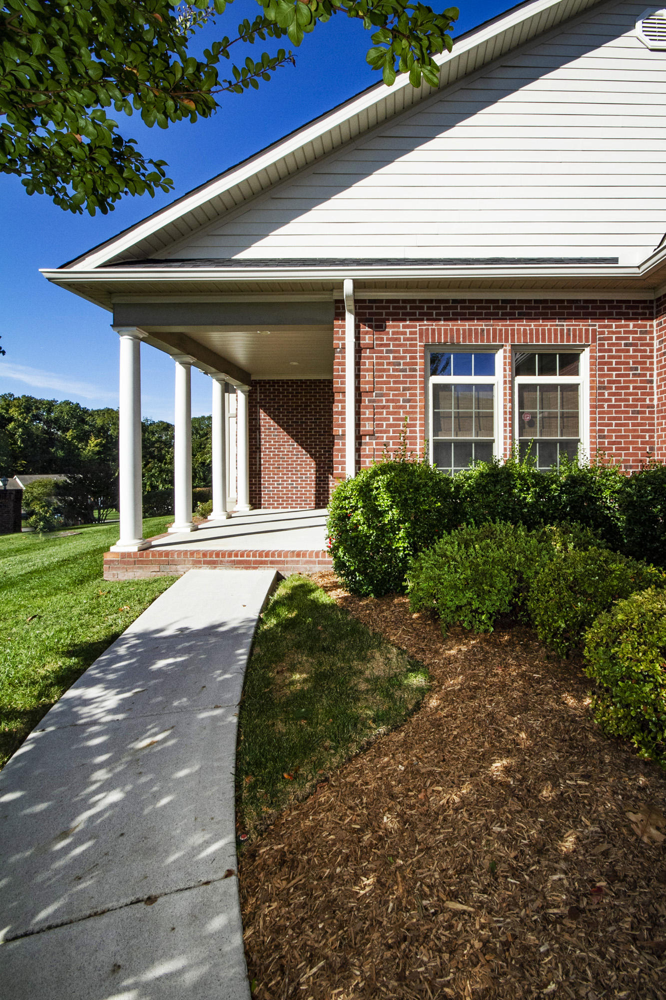 1890 Mountain Drive, Lenoir City, Tennessee 37772, 2 Bedrooms Bedrooms, ,2 BathroomsBathrooms,Single Family,For Sale,Mountain,1098271