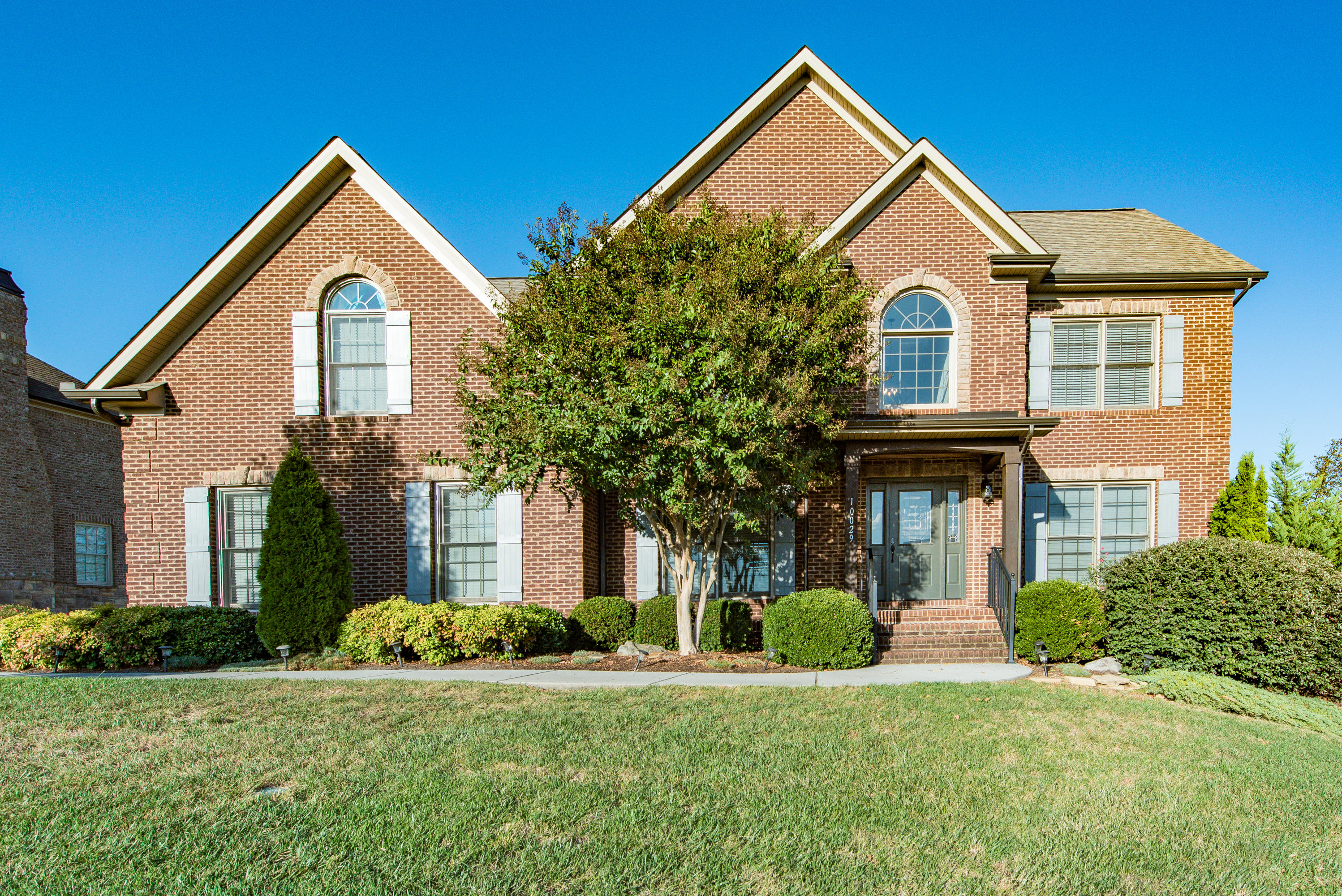 10029 Winter Sun Lane, Knoxville, Tennessee 37922, 5 Bedrooms Bedrooms, ,2 BathroomsBathrooms,Single Family,For Sale,Winter Sun,1098281