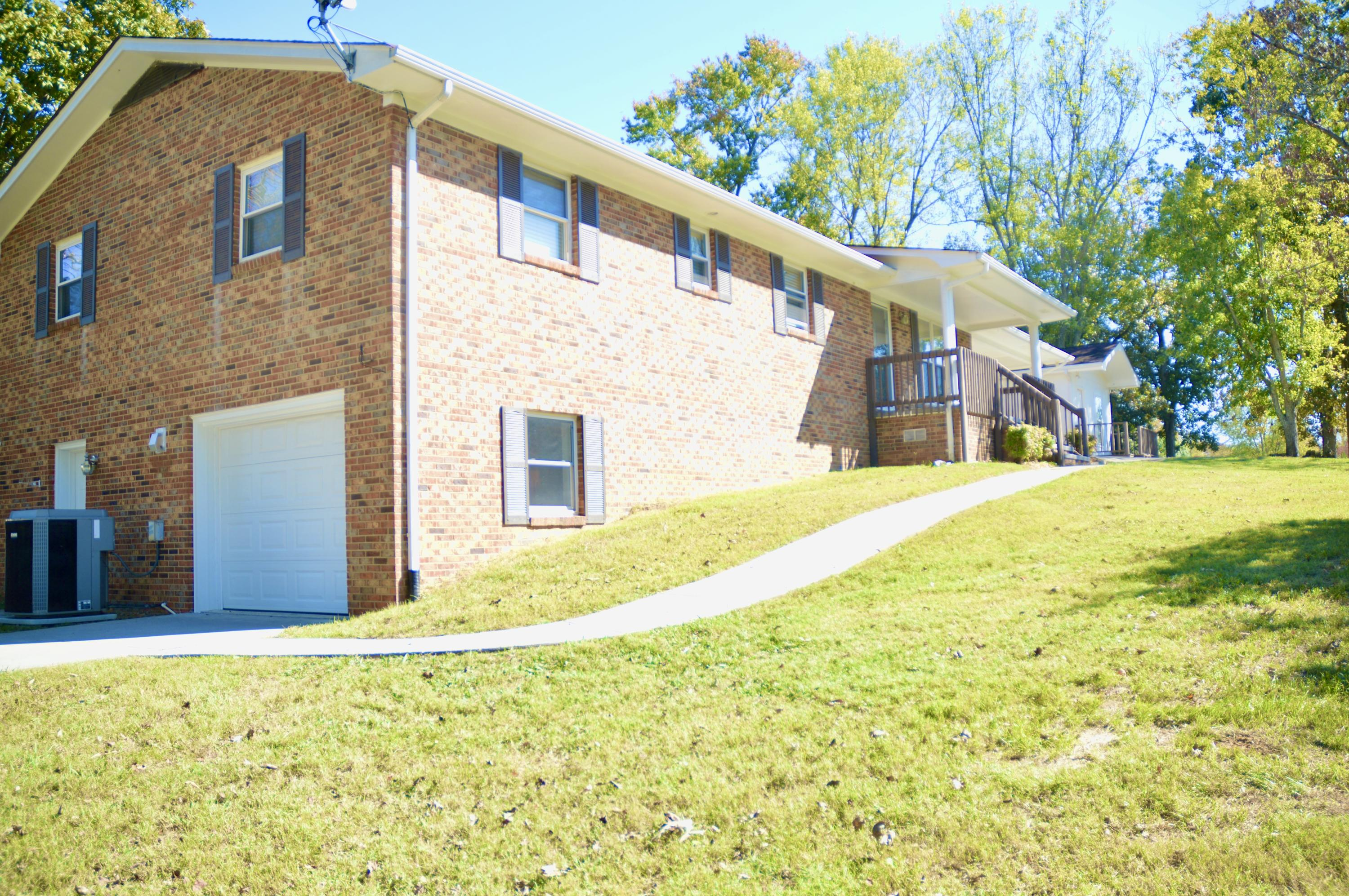 306 Dell, Maryville, Tennessee, United States 37804, 3 Bedrooms Bedrooms, ,3 BathroomsBathrooms,Single Family,For Sale,Dell,1098853