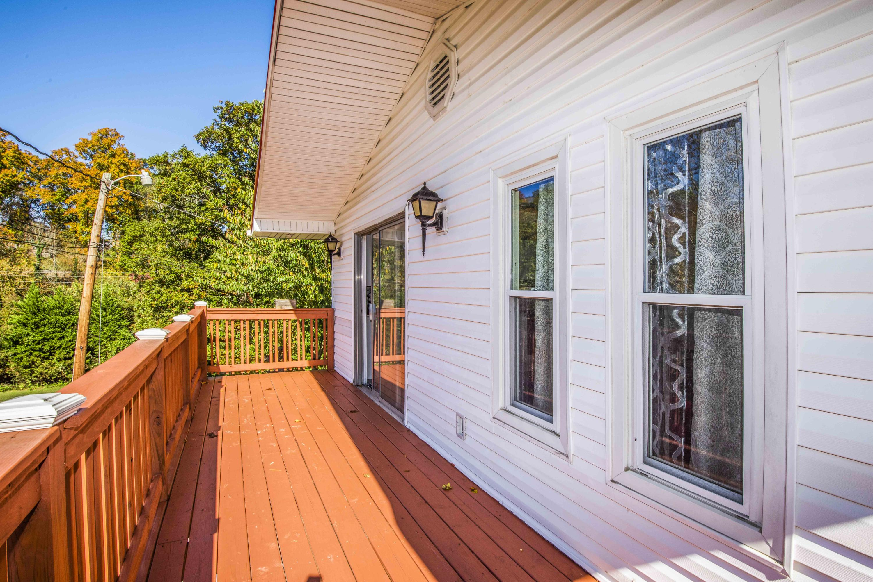 5659 Matlock Drive, Knoxville, Tennessee 37921, 6 Bedrooms Bedrooms, ,3 BathroomsBathrooms,Single Family,For Sale,Matlock,1099623