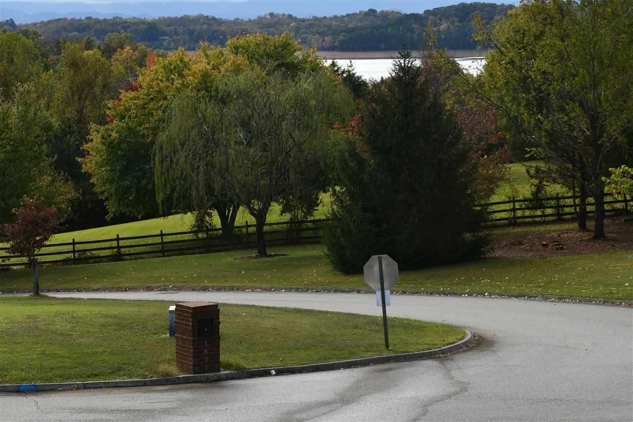 1822 Lakebrook Circle Circle Preview Image 4