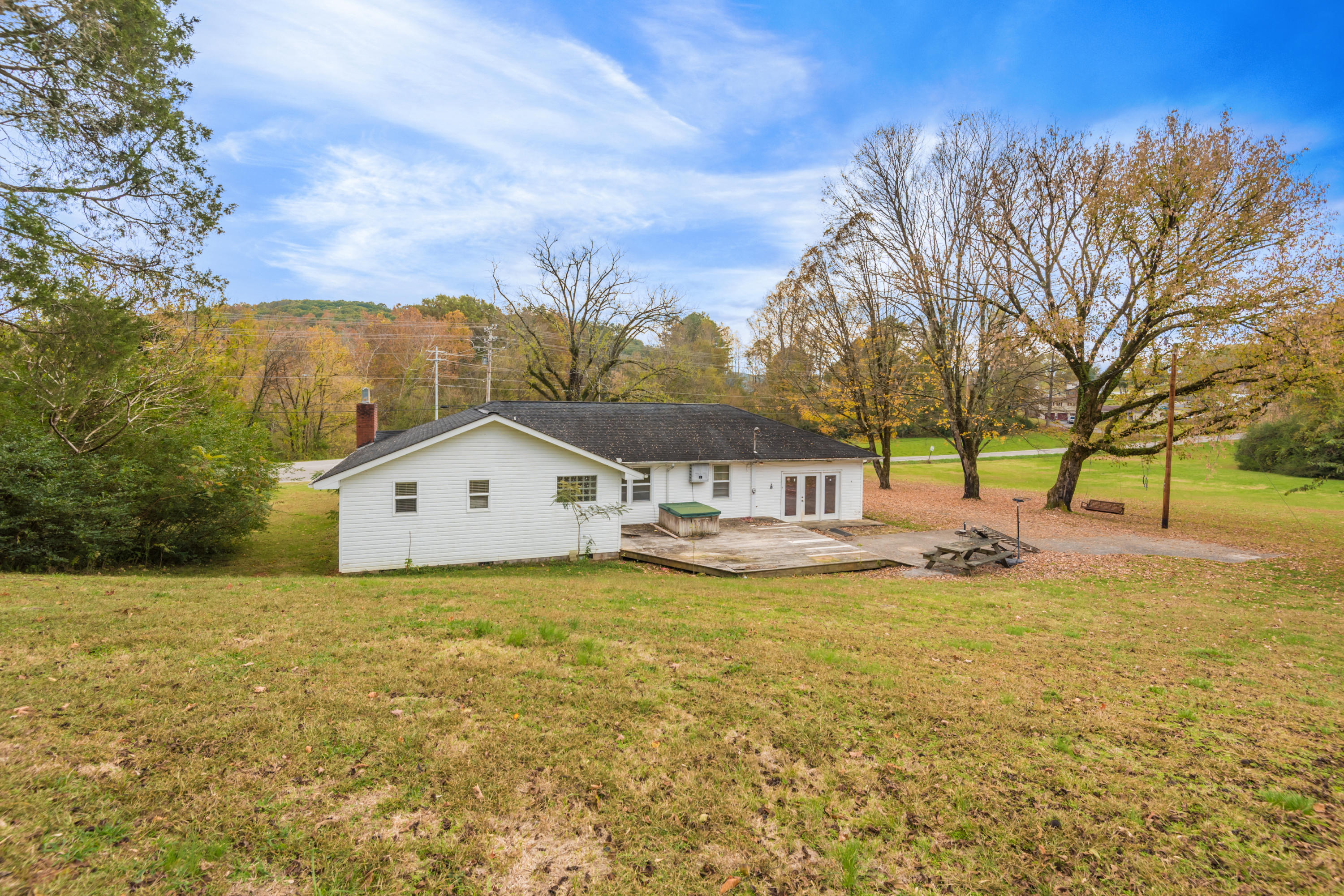 525 Burkemill Rd, Rockwood, Tennessee 37854, 3 Bedrooms Bedrooms, ,2 BathroomsBathrooms,Single Family,For Sale,Burkemill,1100256