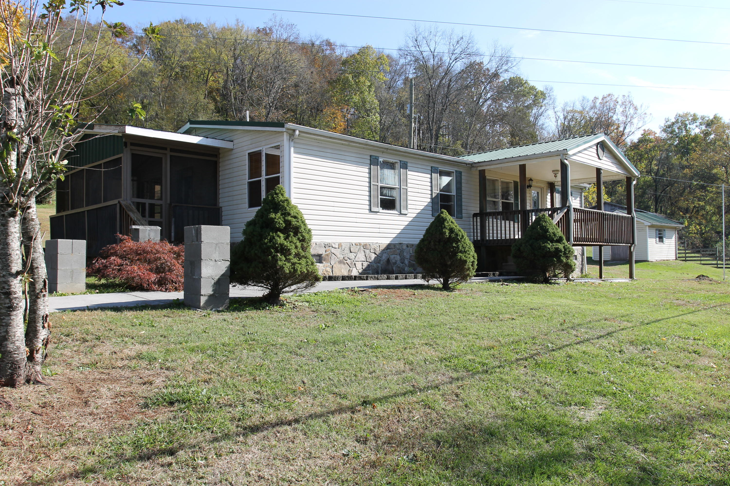 1702 Governor John Sevier Hwy, Knoxville, Tennessee 37920, 3 Bedrooms Bedrooms, ,2 BathroomsBathrooms,Single Family,For Sale,Governor John Sevier,1100270