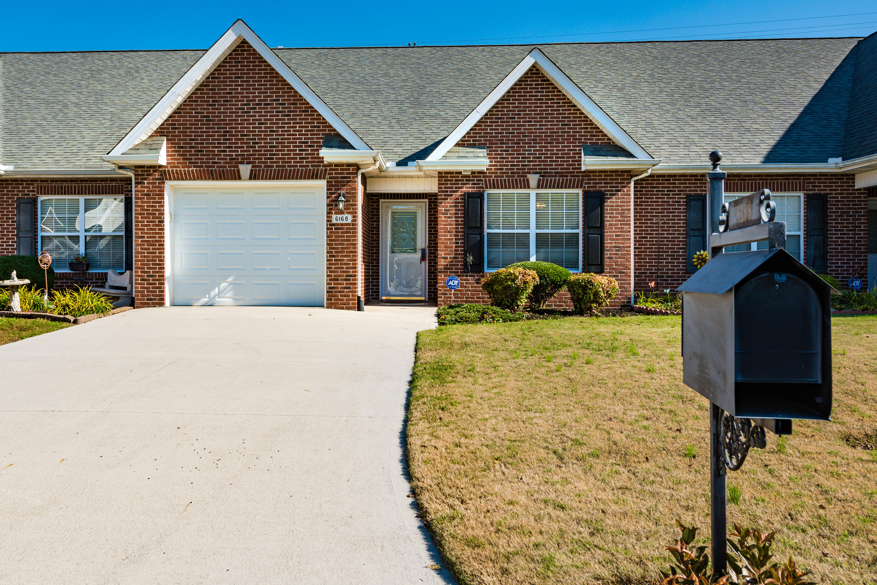 6168 Kristins Gate, Powell, Tennessee, United States 37849, 2 Bedrooms Bedrooms, ,2 BathroomsBathrooms,Single Family,For Sale,Kristins Gate,1100323