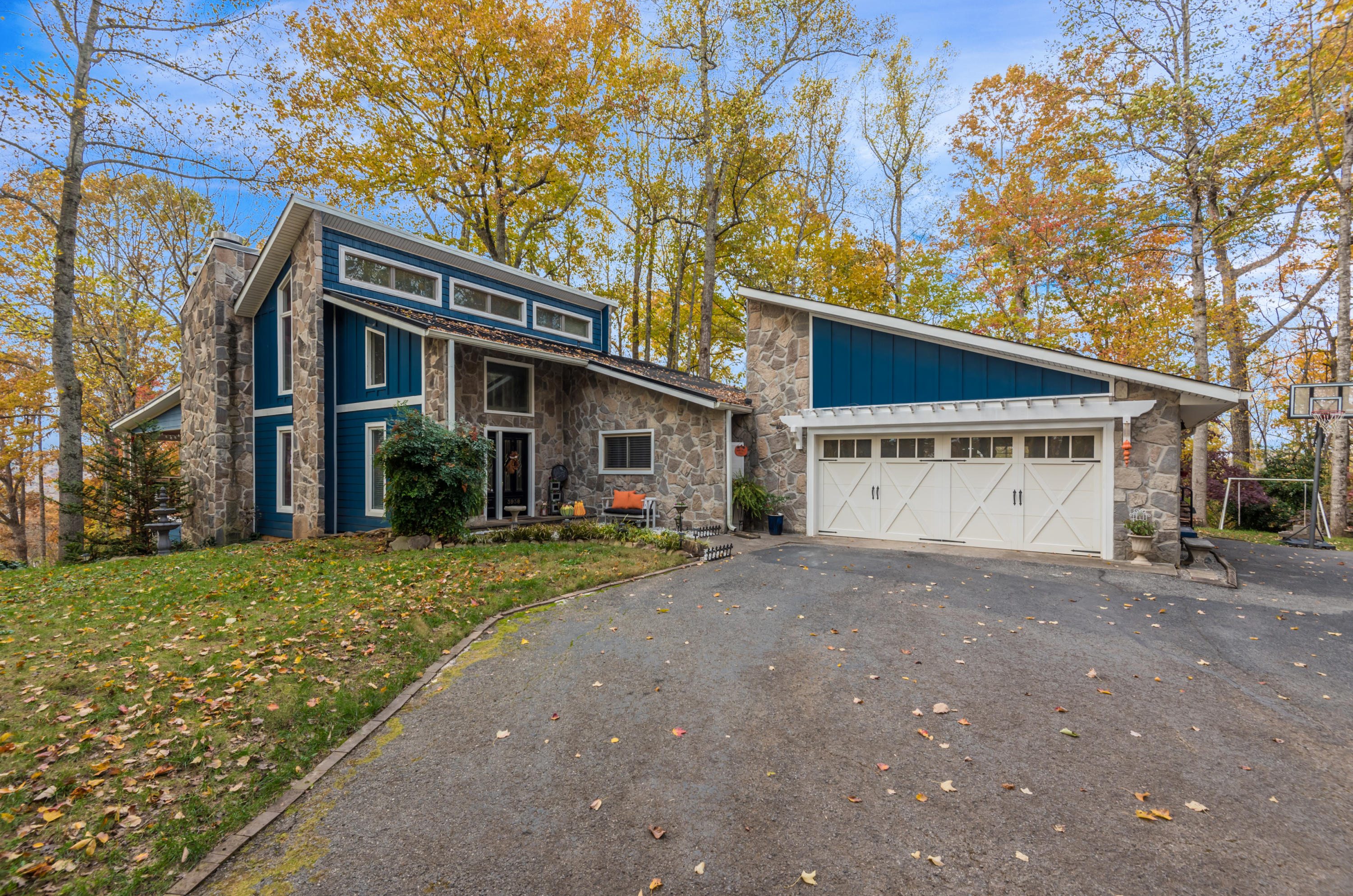 3938 Guinn Rd, Knoxville, Tennessee 37931, 3 Bedrooms Bedrooms, ,3 BathroomsBathrooms,Single Family,For Sale,Guinn,1100797