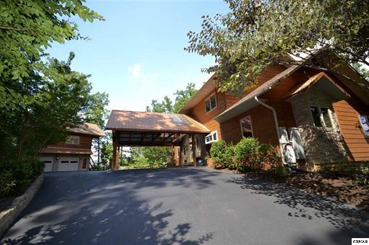 5055 Riversong, Sevierville, Tennessee, United States 37876, 6 Bedrooms Bedrooms, ,5 BathroomsBathrooms,Single Family,For Sale,Riversong,1101004