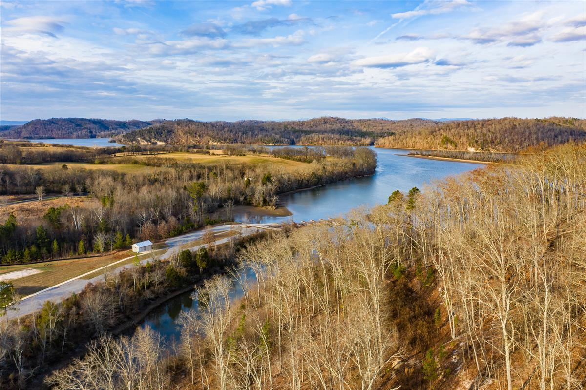Twin Lakes Drive: