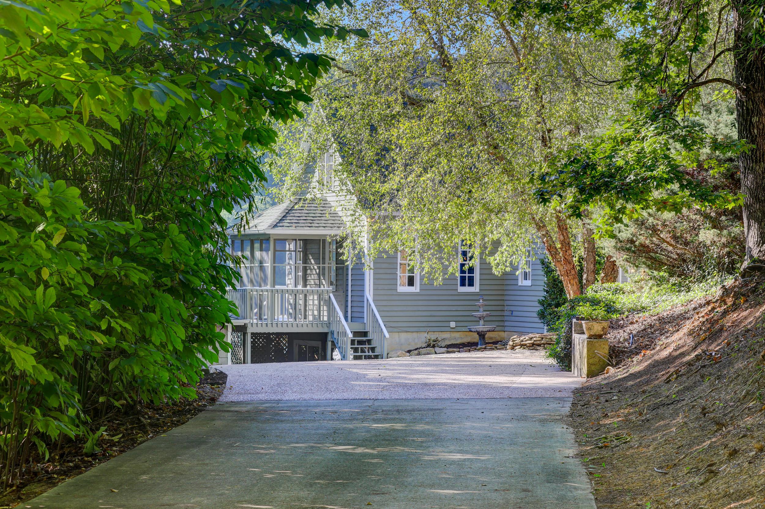 179 Ridgeland Lane: