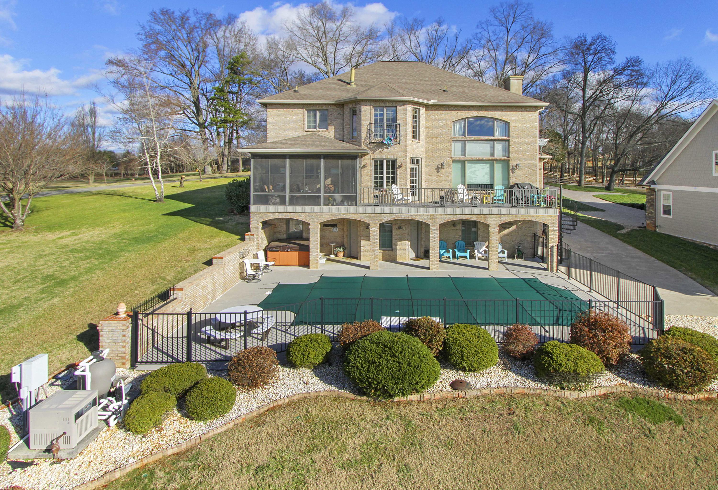 4734 Colonial Harbor Drive: