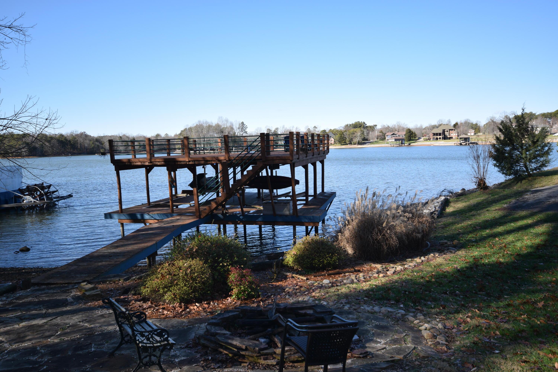 3271 Lakeside Drive: