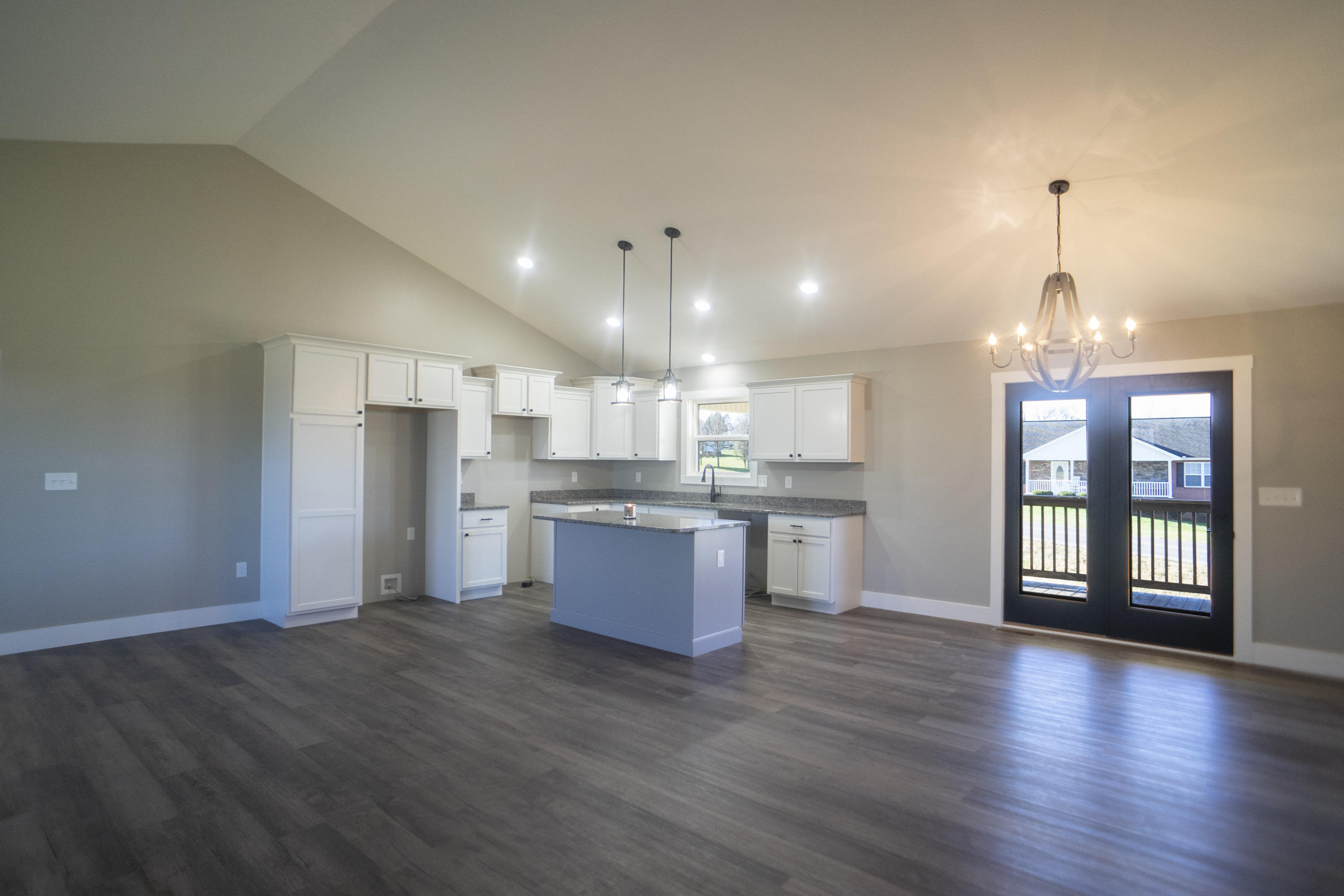 1519 Rosewood Dr Drive Preview Image 2